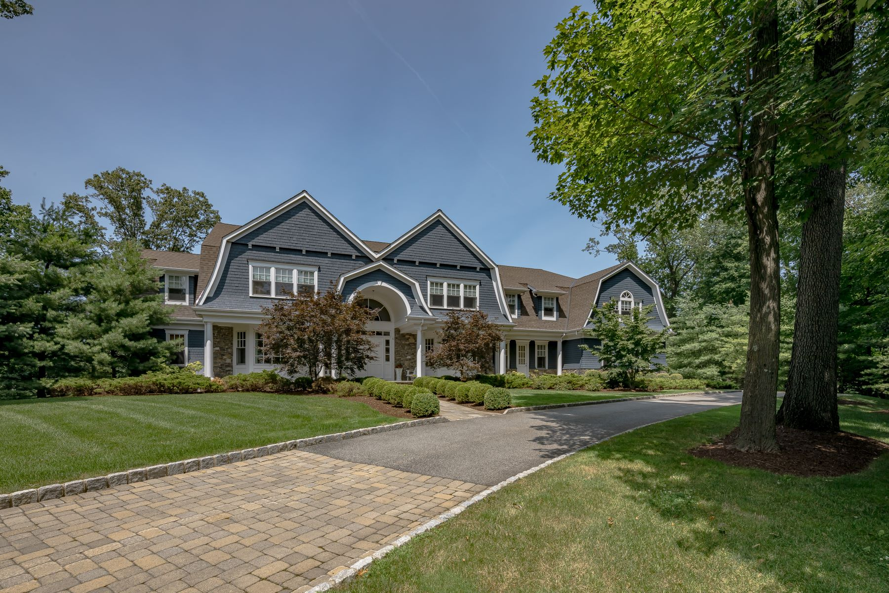 Single Family Homes for Sale at Immaculate Custom Home 79 Wisteria Way, Bernardsville, New Jersey 07924 United States