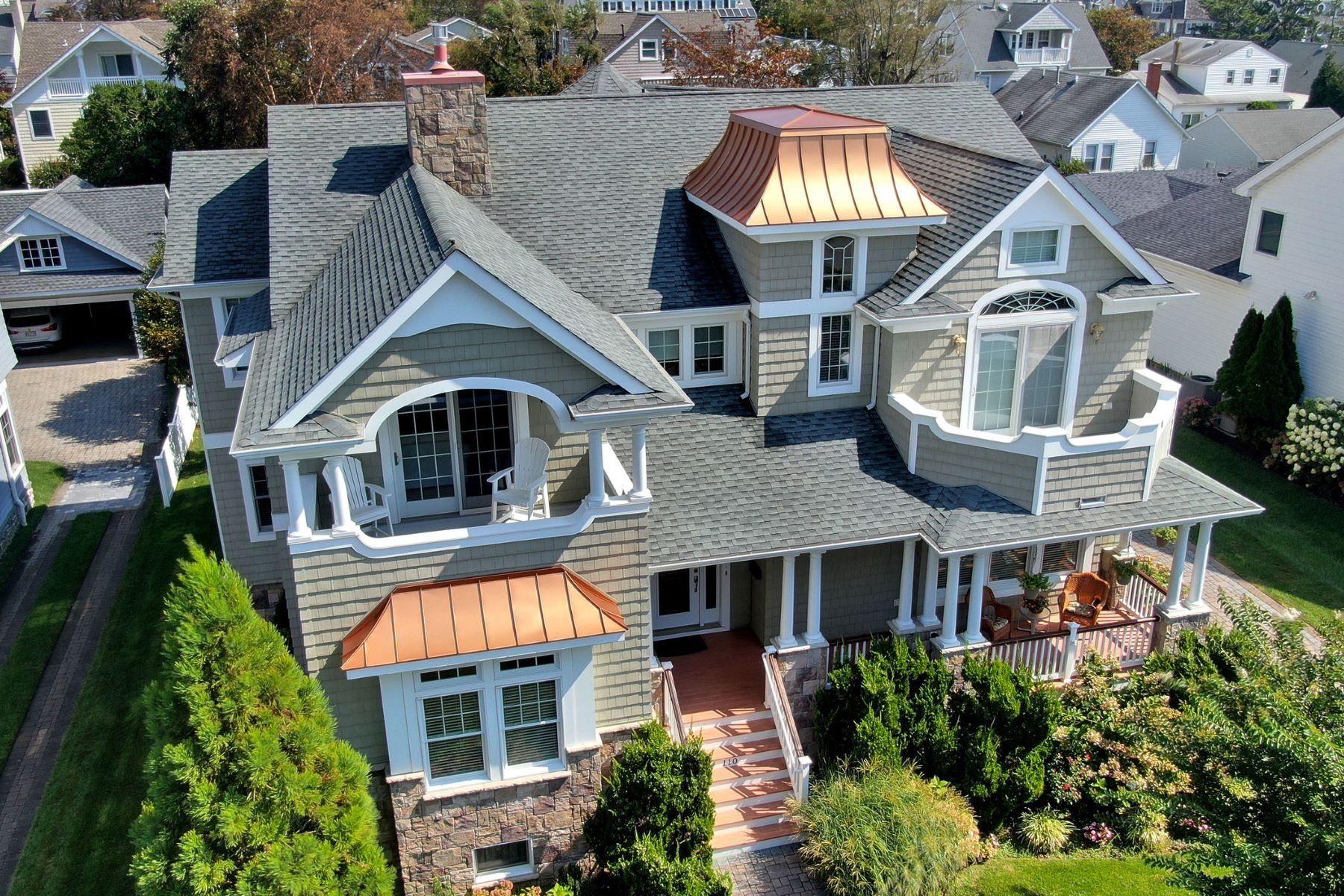 Single Family Homes للـ Sale في Exceptional Home with Ocean Views 110 Pennsylvania Avenue, Spring Lake, New Jersey 07762 United States