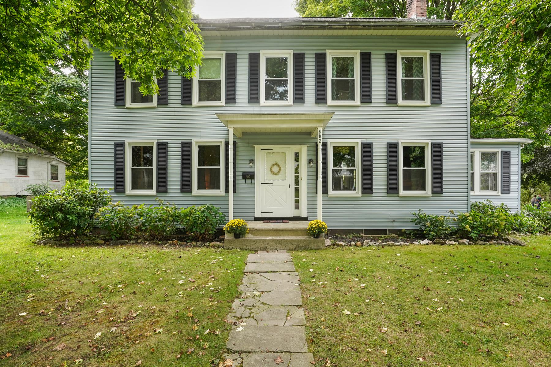 Single Family Homes für Verkauf beim Character and Charm Abound 502 Mansfield Street, Belvidere, New Jersey 07823 Vereinigte Staaten
