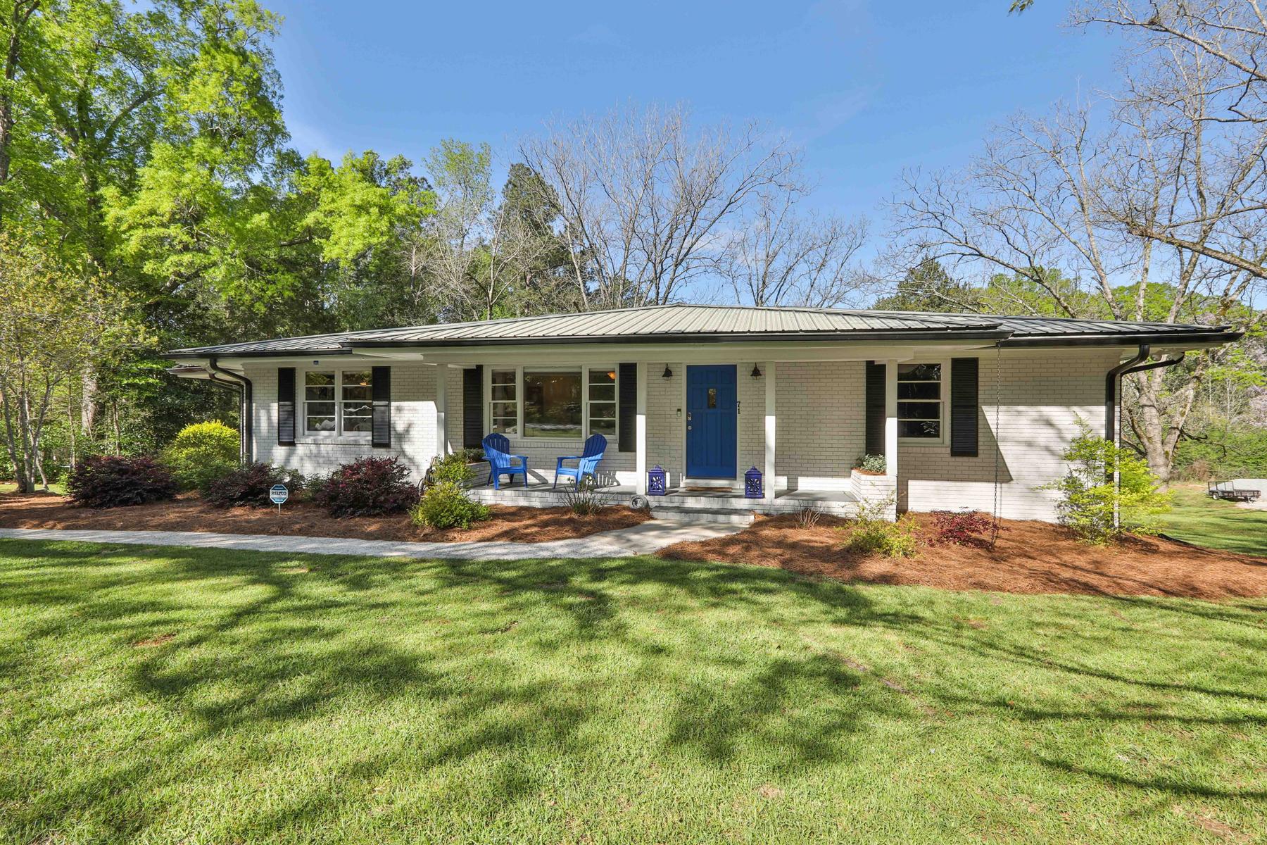 Single Family Homes por un Venta en What a Gem! Better than New Mid-Century Ranch 71 Luther Bailey Road, Senoia, Georgia 30276 Estados Unidos