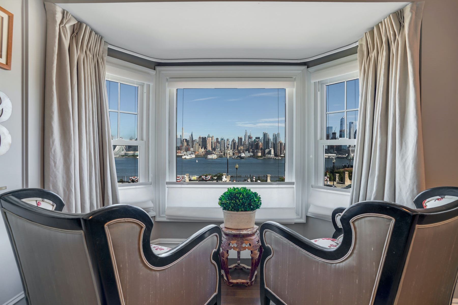 Single Family Homes for Sale at Envelope yourself in sheer luxury 807 BLVD East, Weehawken, New Jersey 07086 United States