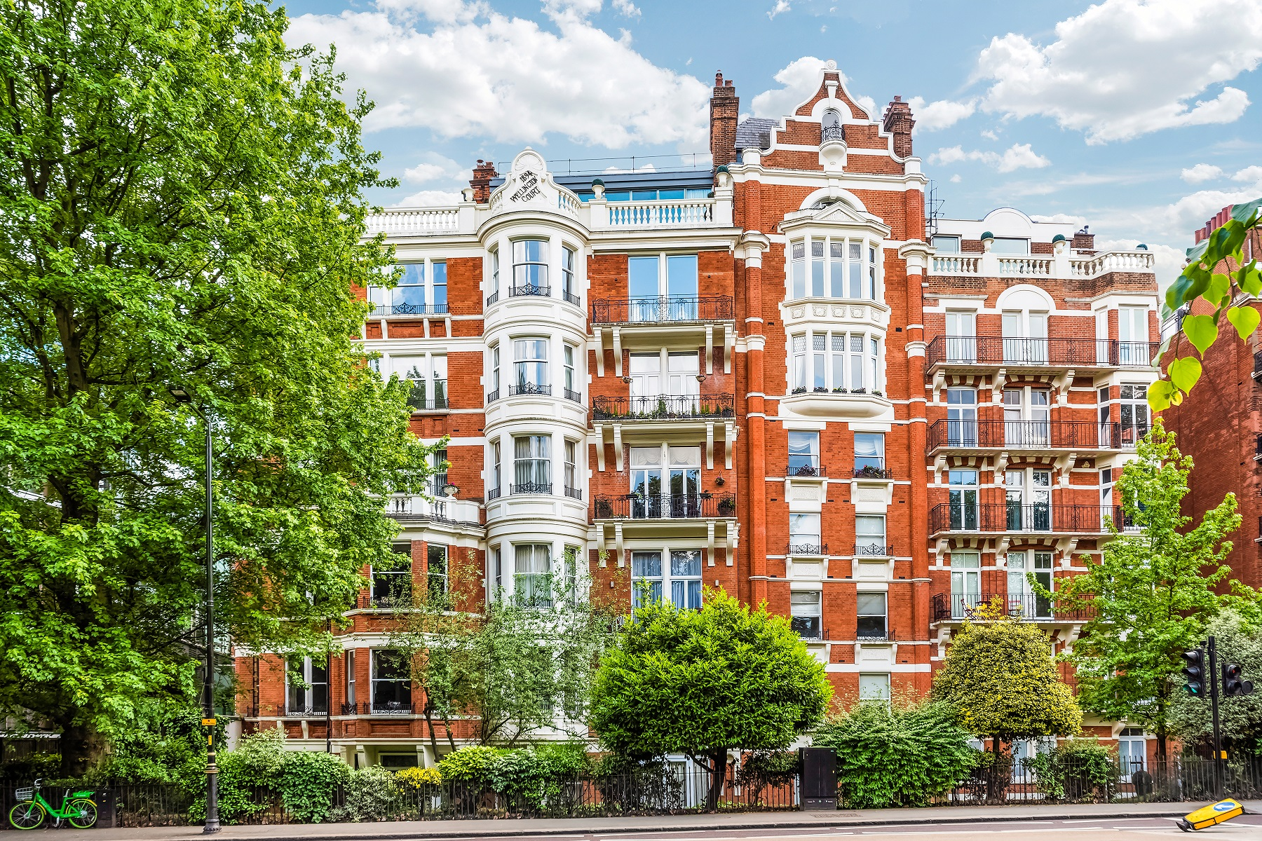 Apartments for Sale at Flat 21 , Wellington Court, 116 Knightsbridge London, England SW1X 7PL United Kingdom