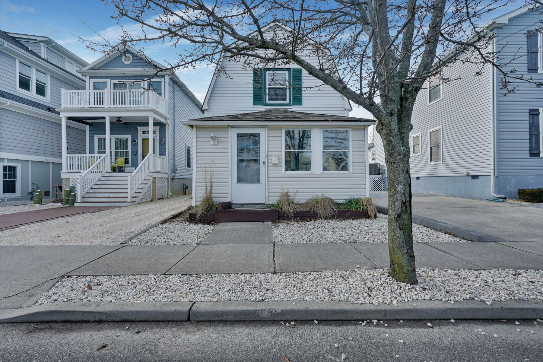 Single Family Homes for Sale at Well Maintained Bungalow 73 Ocean Avenue, Manasquan, New Jersey 08736 United States