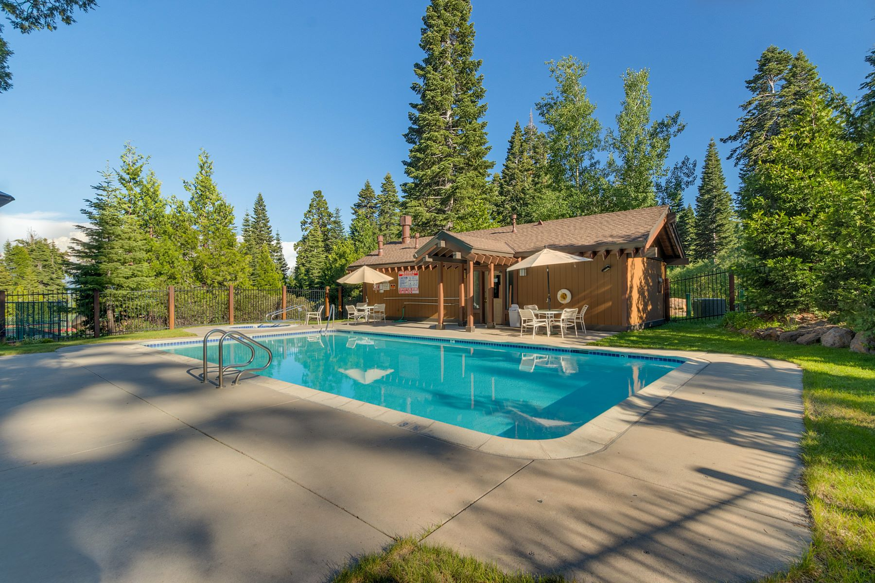 Additional photo for property listing at 1877 North Lake Blvd. #49 1877 North Lake Blvd #49 Tahoe City, California 96145 United States