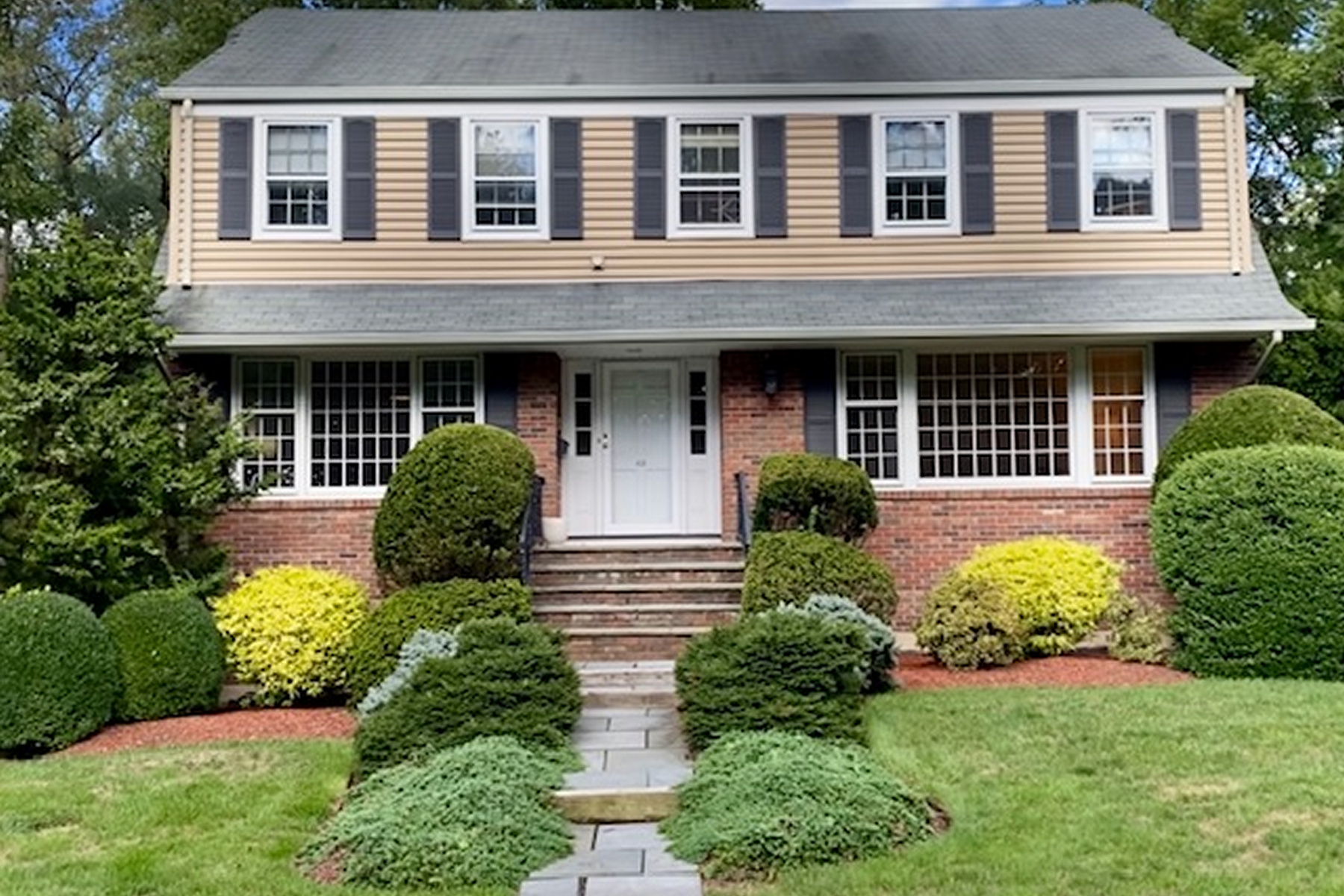 Single Family Homes for Sale at East Hill 48 Central Ave, Demarest, New Jersey 07627 United States