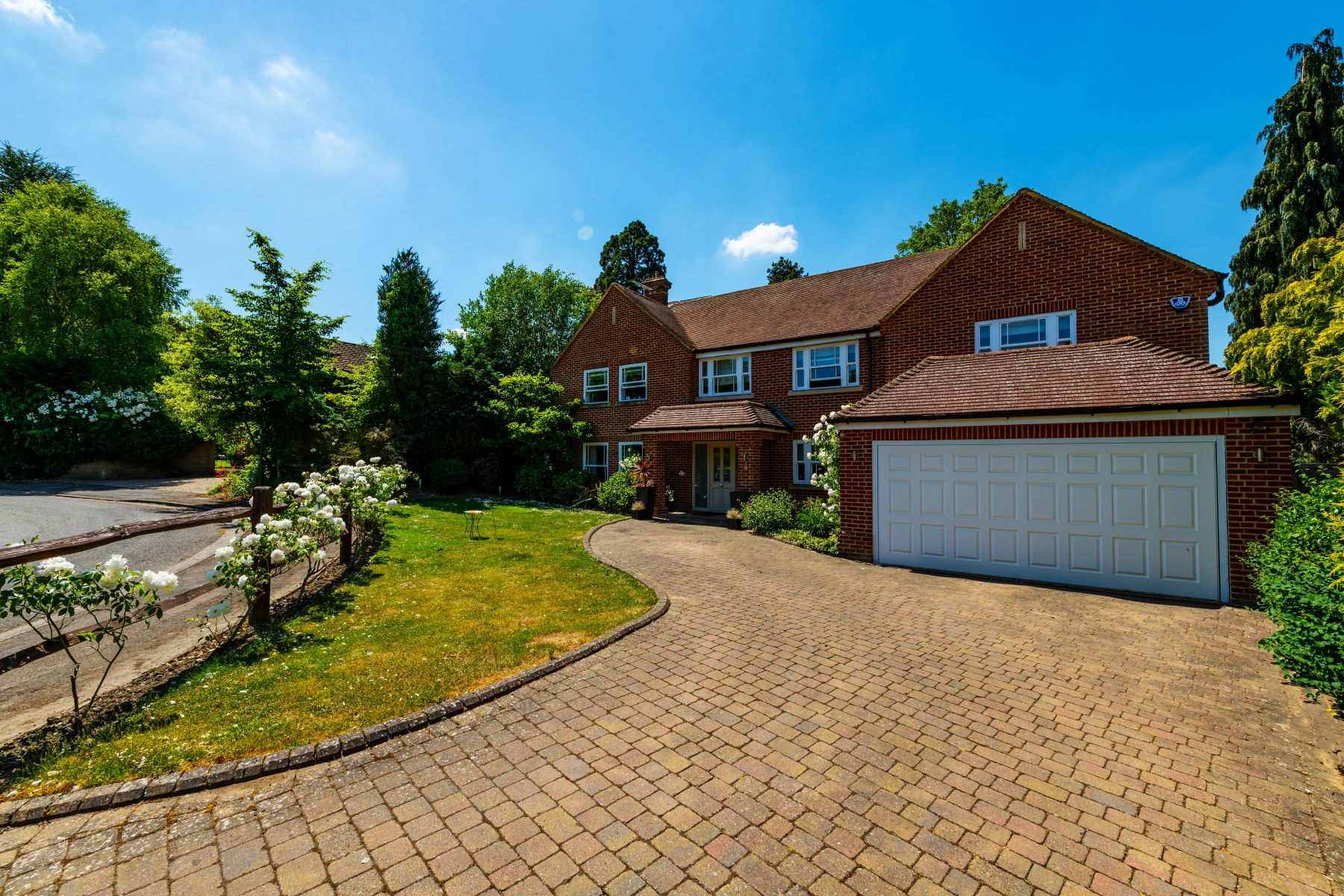 Single Family Homes for Sale at 3 Cobham, England United Kingdom