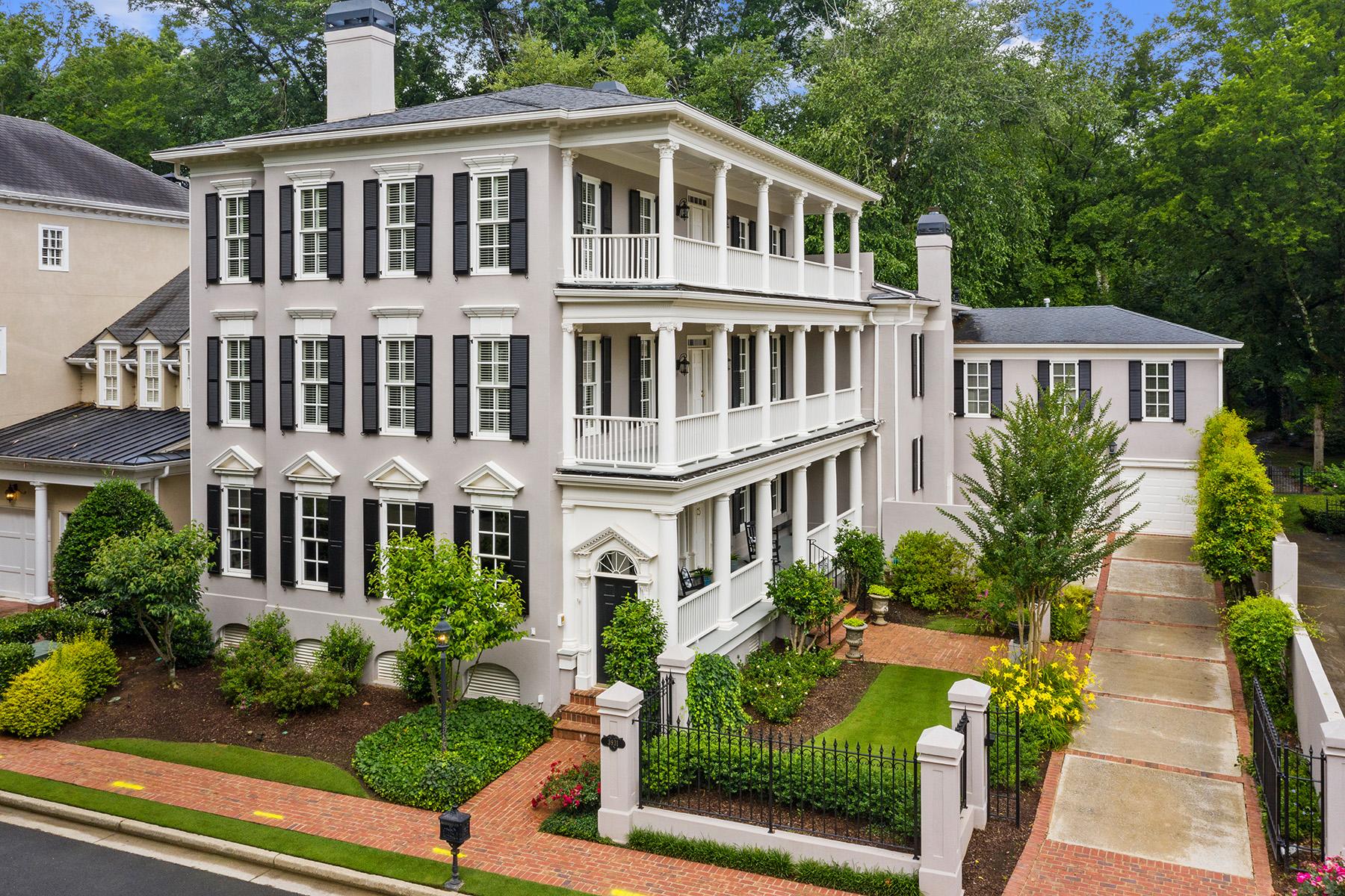 Single Family Homes por un Venta en Historic Charleston Inspired Riverfront Home 3931 The Battery, Duluth, Georgia 30096 Estados Unidos