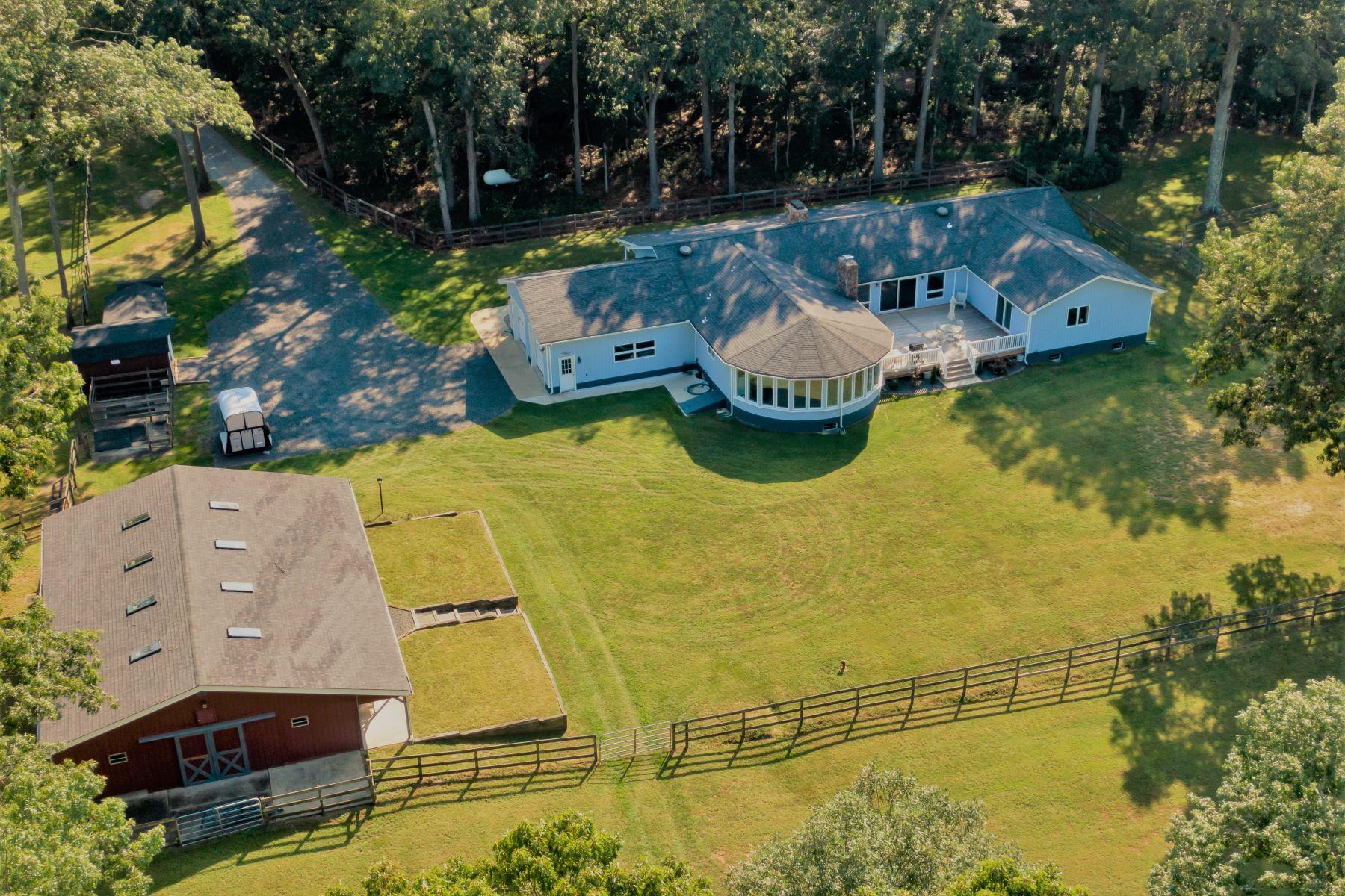 Single Family Homes pour l Vente à Howell, New Jersey 07731 États-Unis