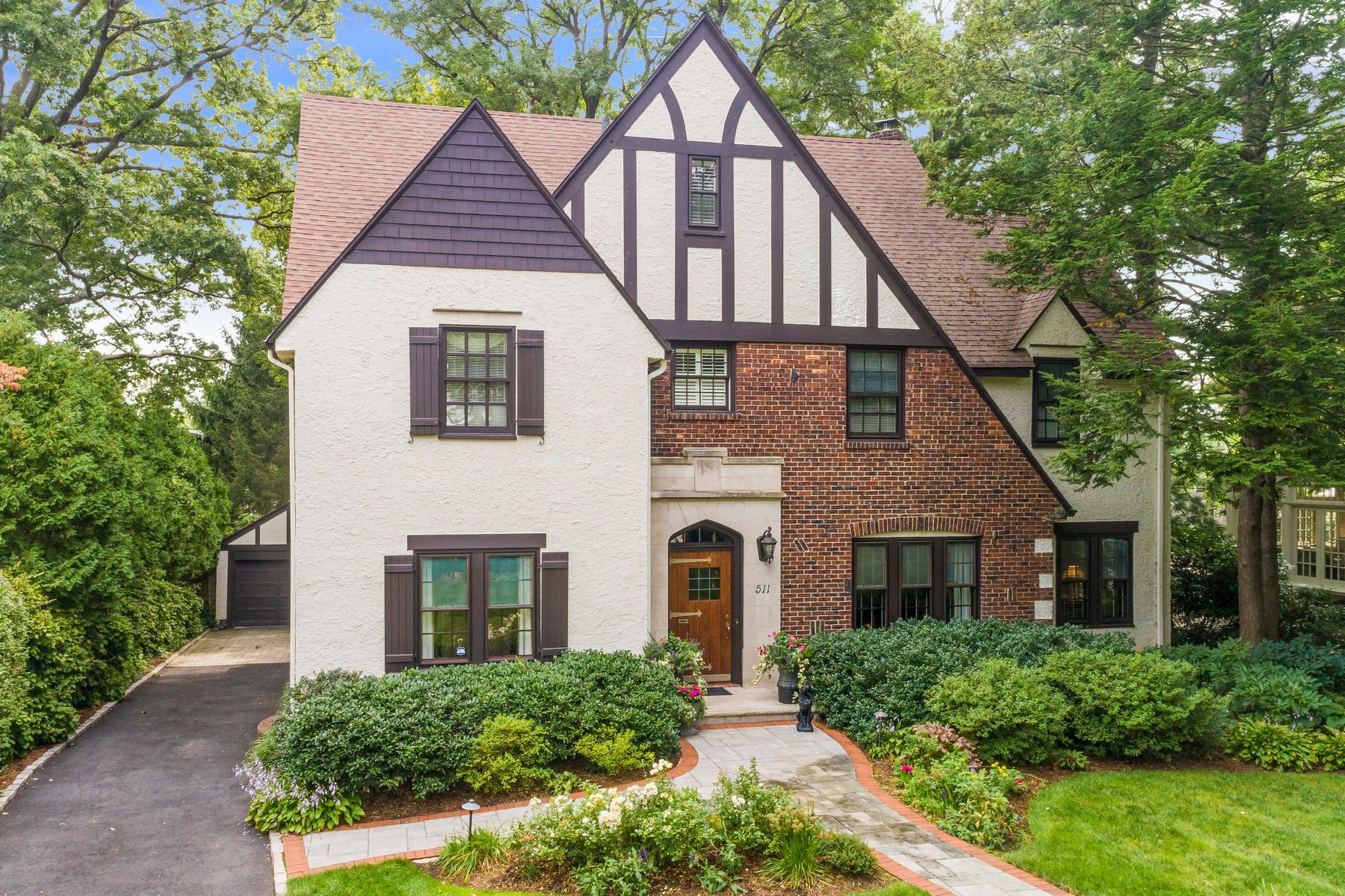 Single Family Homes für Verkauf beim Perfect In Every Way! 511 Ridgewood Ave, Glen Ridge, New Jersey 07028 Vereinigte Staaten
