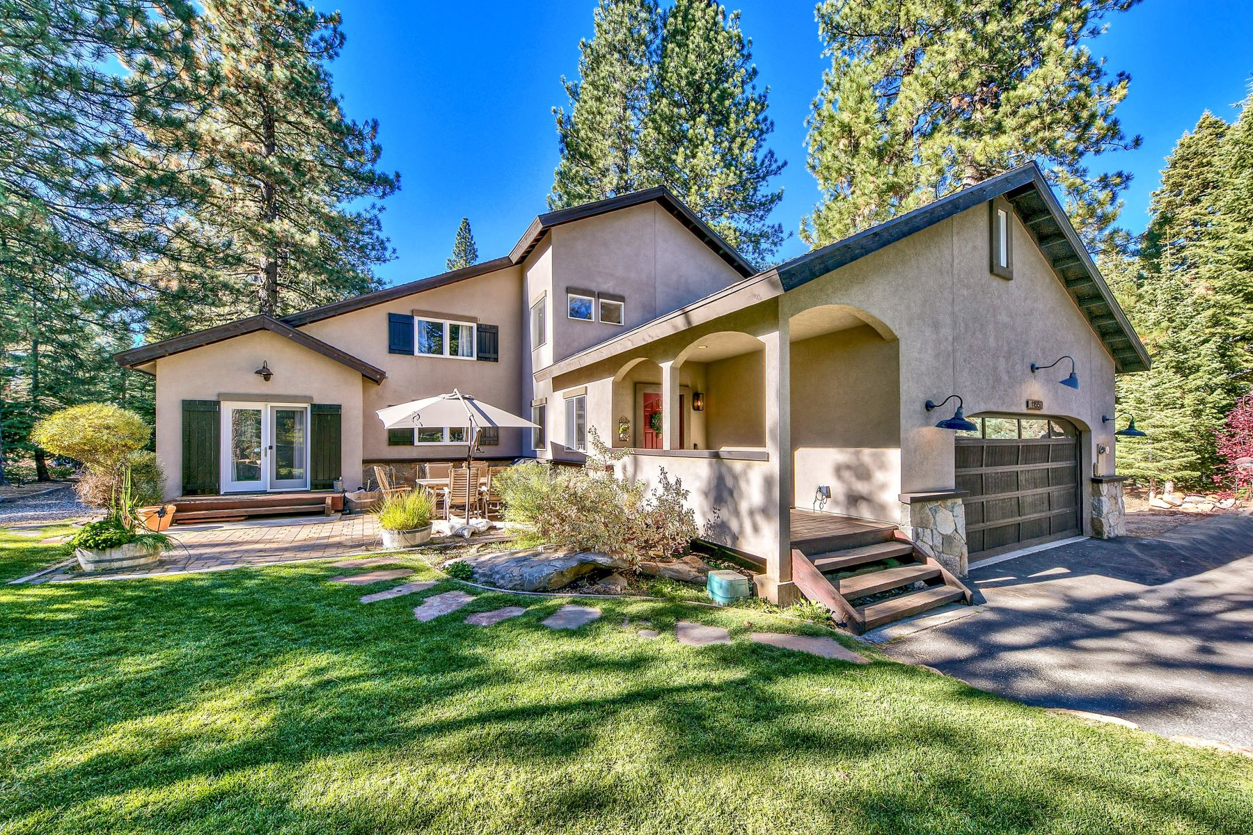 Single Family Homes por un Venta en Estate In The Woods 11550 Stillwater Court Truckee, California 96161 Estados Unidos