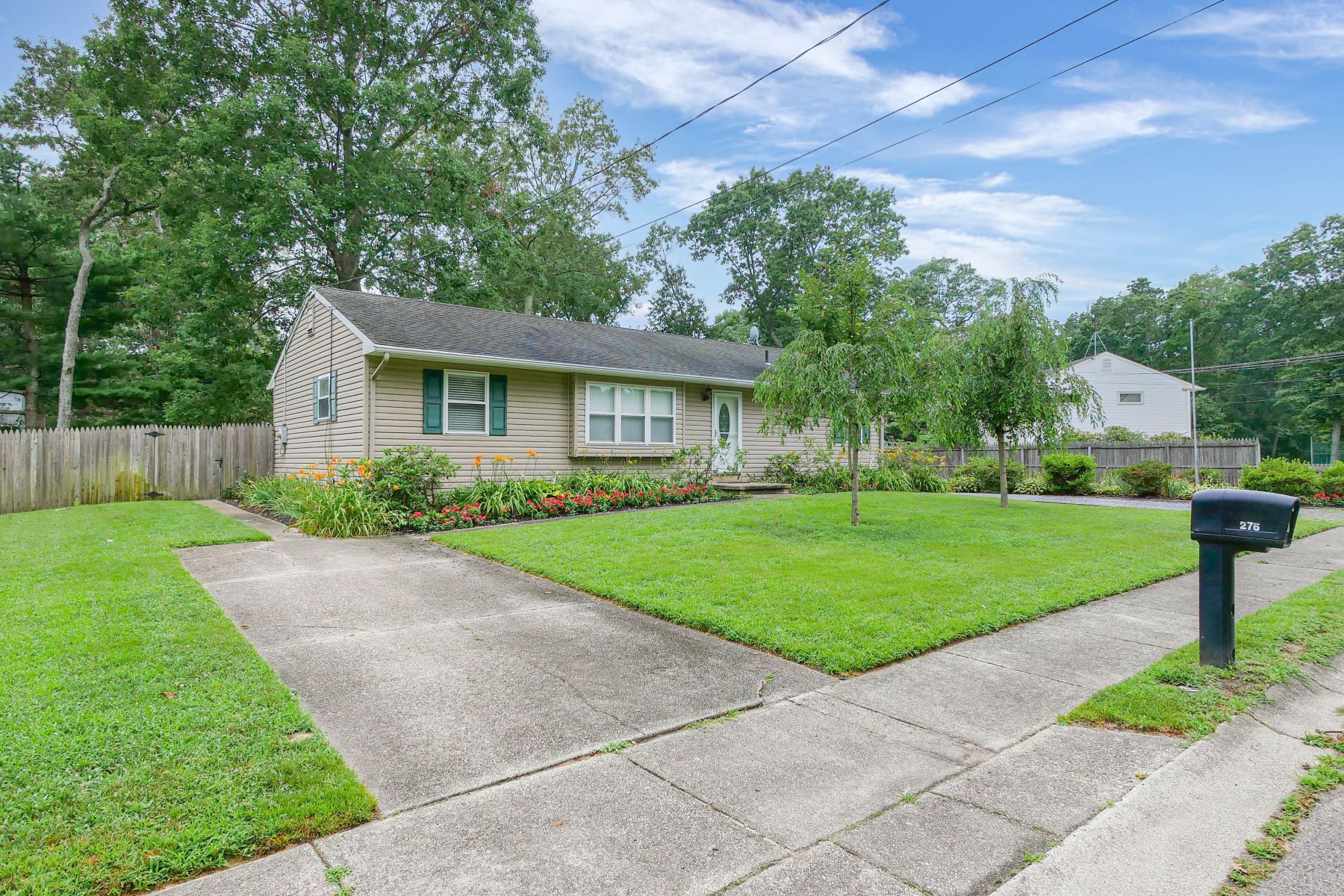 Single Family Homes 為 出售 在 276 Stain Joseph Street 276 Saint Joseph St., Egg Harbor City, 新澤西州 08215 美國