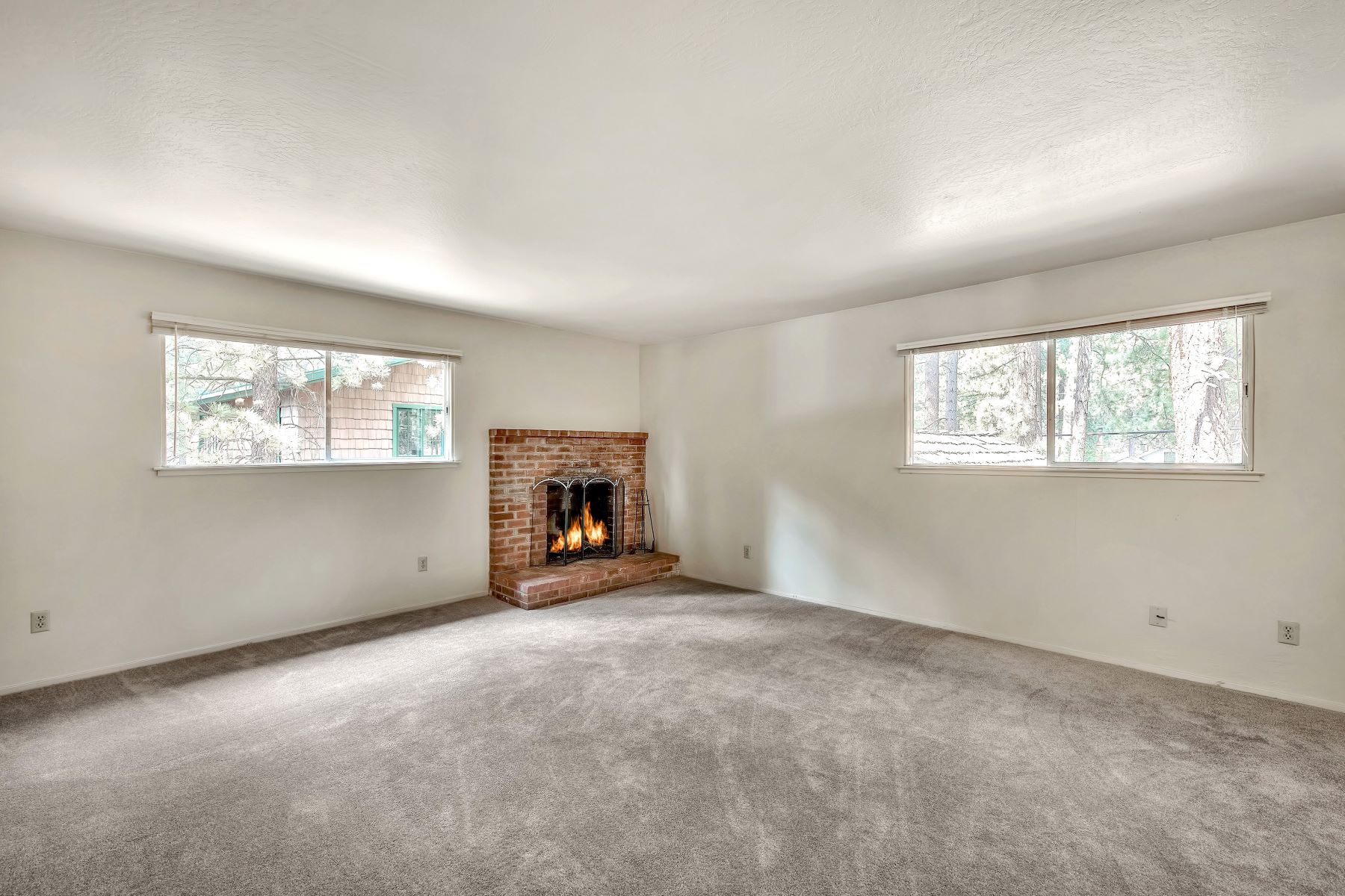 Additional photo for property listing at Al Tahoe Duplex 904 San Francisco Avenue South Lake Tahoe, California 96150 United States
