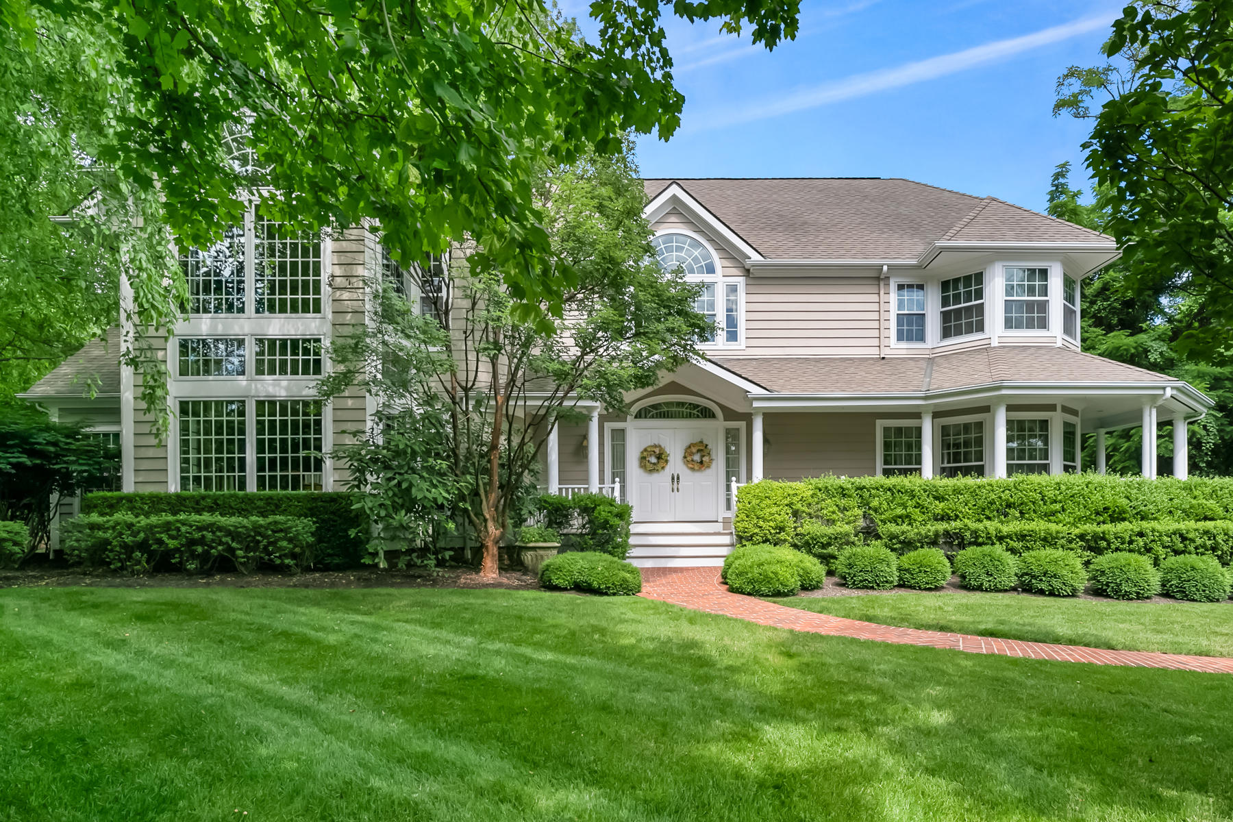 Single Family Homes للـ Sale في Refined Elegance & Charm 2 Shadowbrook Drive, Colts Neck, New Jersey 07722 United States