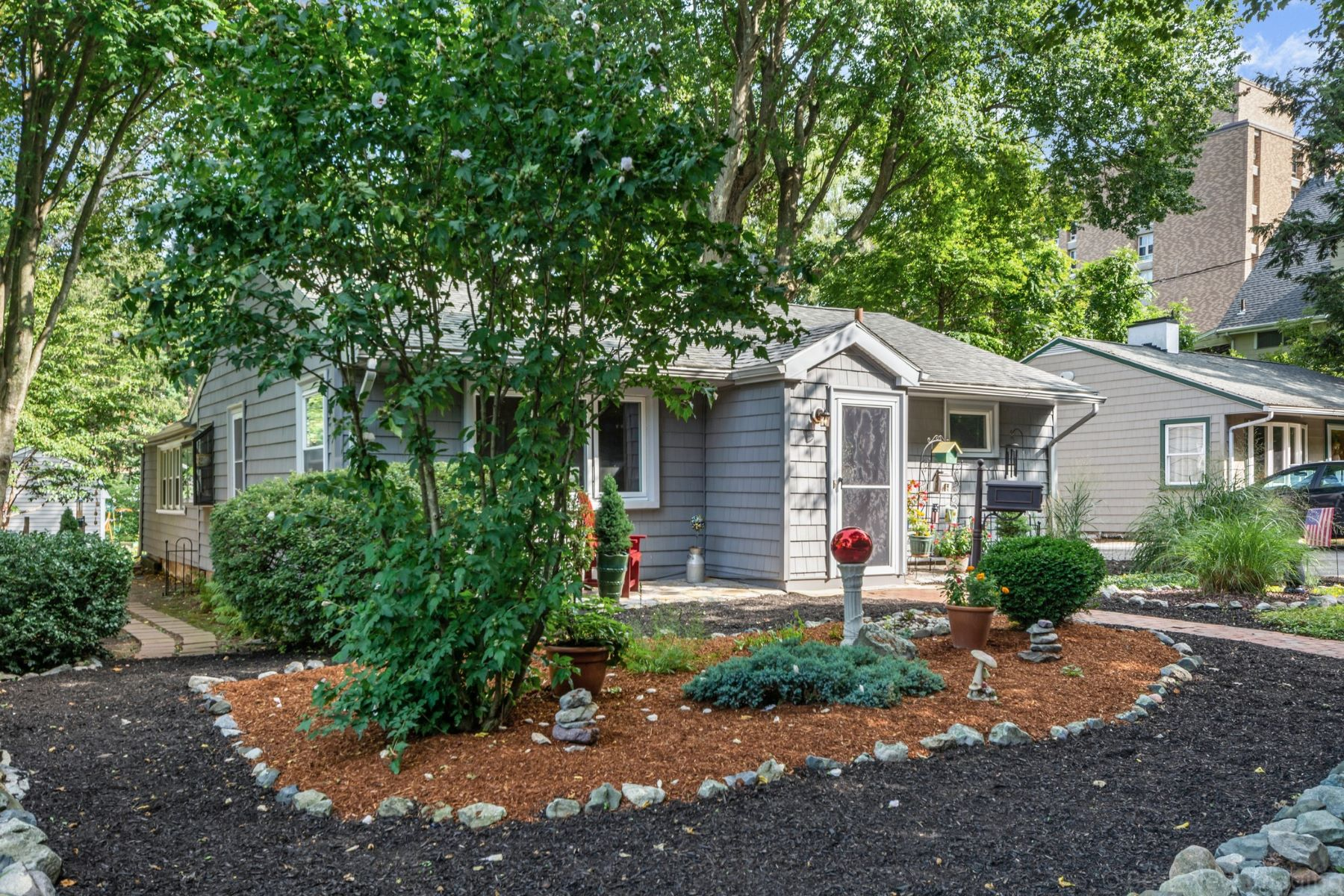 Single Family Homes για την Πώληση στο Melrose, Μασαχουσετη 02176 Ηνωμένες Πολιτείες
