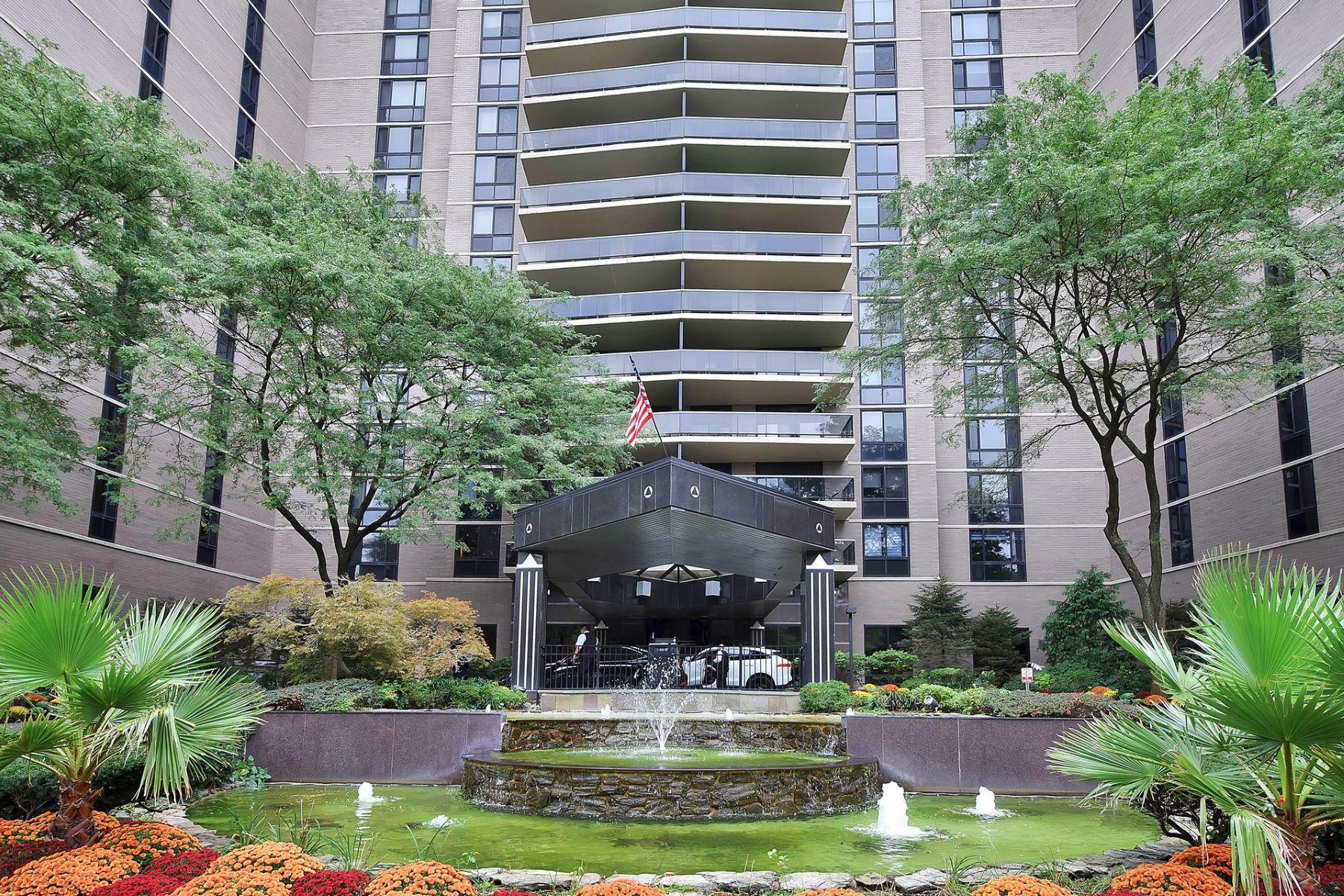 Condominiums pour l Vente à Fort Lee, New Jersey 07024 États-Unis