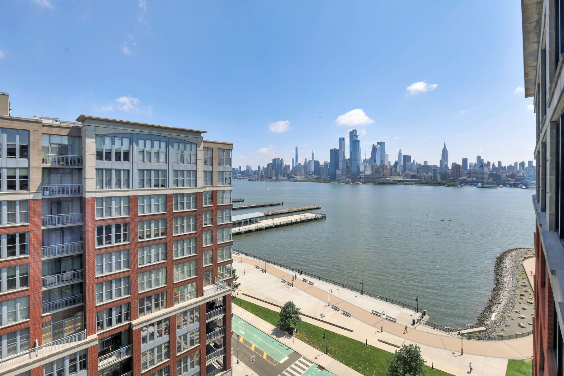 Condominiums للـ Sale في Welcome to your new home 1025 Maxwell Lane #1103, Hoboken, New Jersey 07030 United States