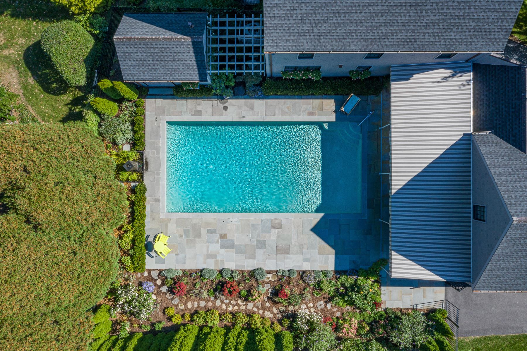 Additional photo for property listing at Masterfully Renovated Brick Colonial 357 Gibbs Avenue Newport, Rhode Island 02840 United States