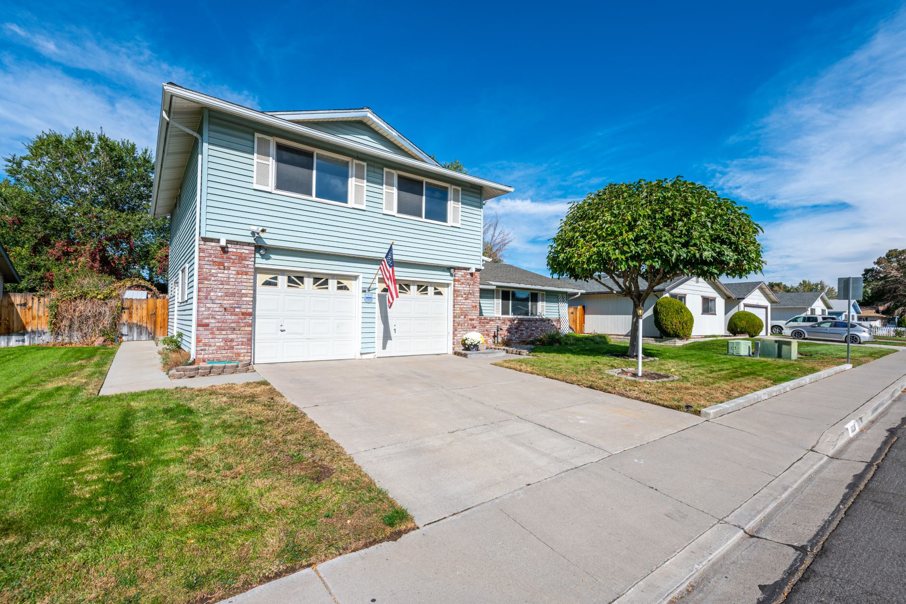 Additional photo for property listing at Charming Home with Fabulous Yard 1038 O Callaghan Dr. Sparks, Nevada 89434 United States