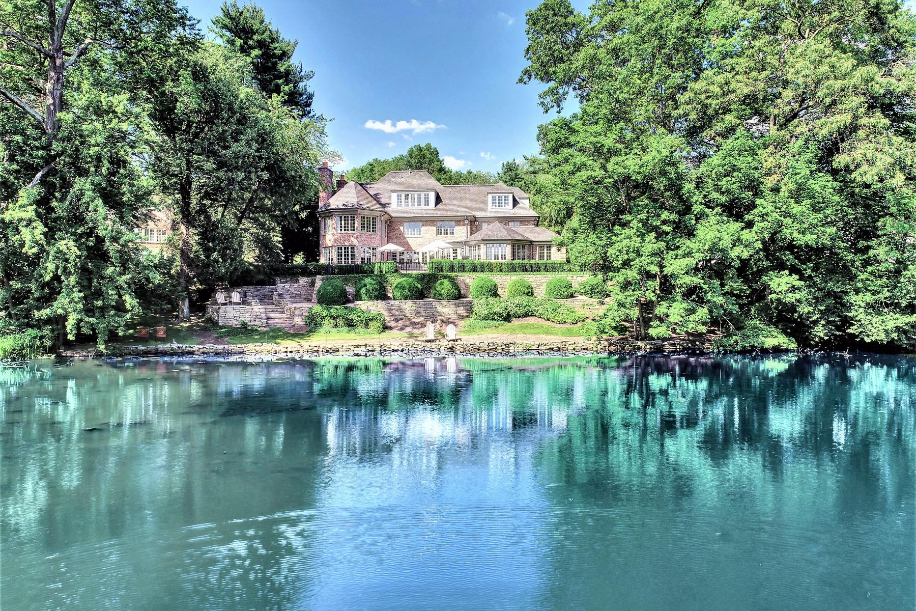 Single Family Homes 为 销售 在 Waterfront Masterpiece 18 Joanna Way, 肖特山, 新泽西州 07078 美国