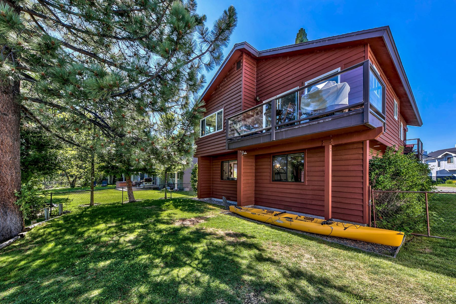Additional photo for property listing at Gorgeous Tahoe Keys waterfront home. 1969 Marconi Way South Lake Tahoe, California 96150 United States