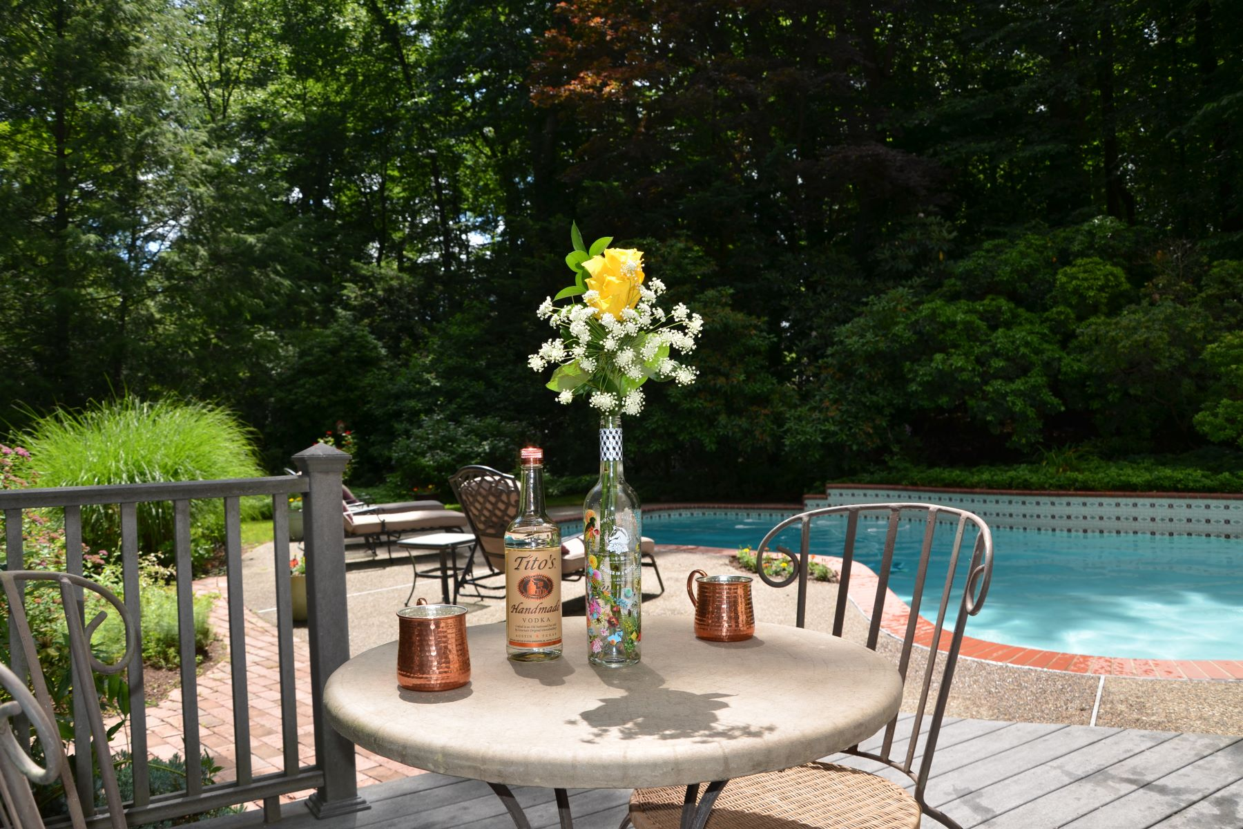 Single Family Homes للـ Sale في Elegant Colonial 160 Wearimus Rd, Ho Ho Kus, New Jersey 07423 United States
