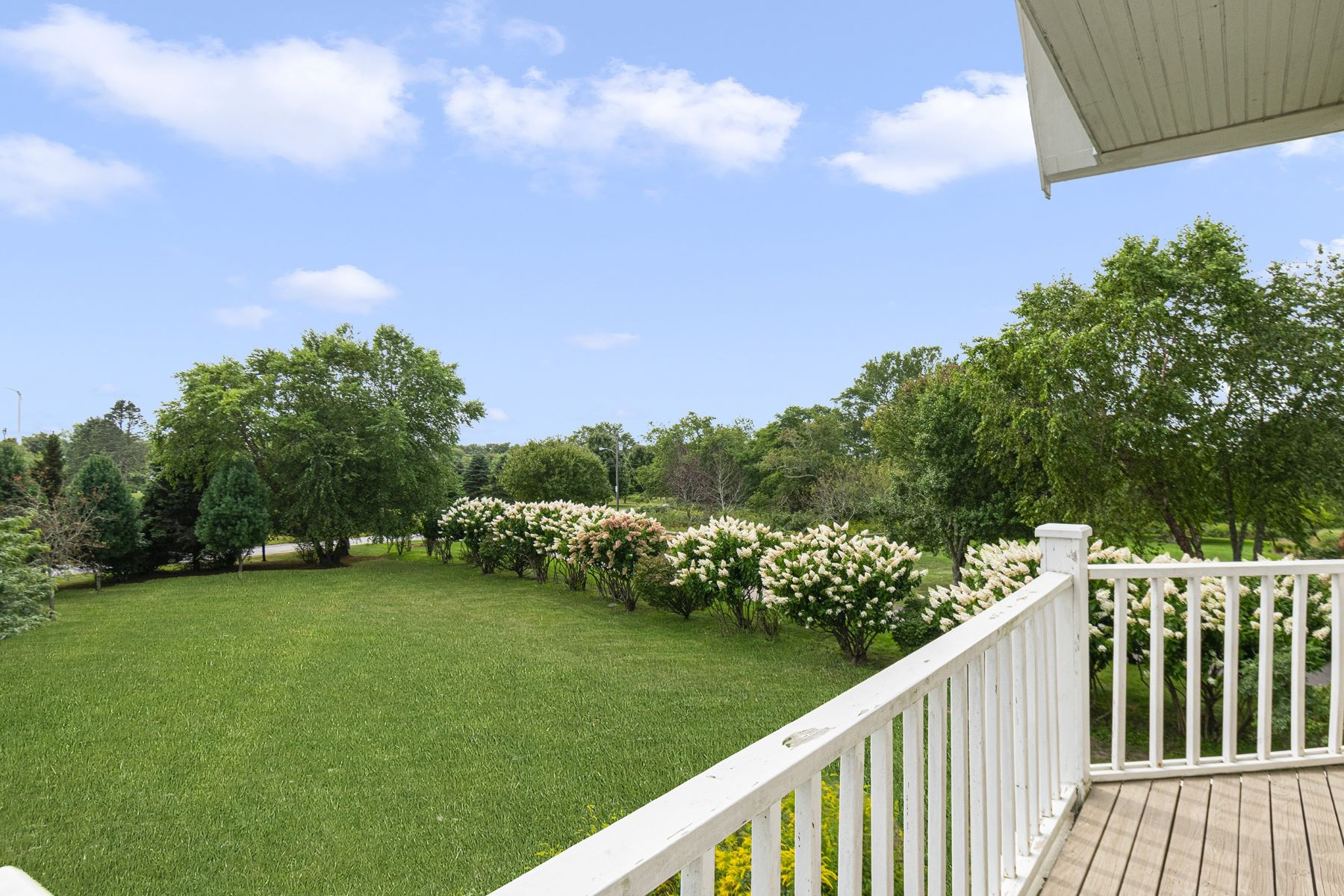 Additional photo for property listing at 51 Sunset Boulevard, Narragansett, RI 51 Sunset Boulevard Narragansett, Rhode Island 02882 United States