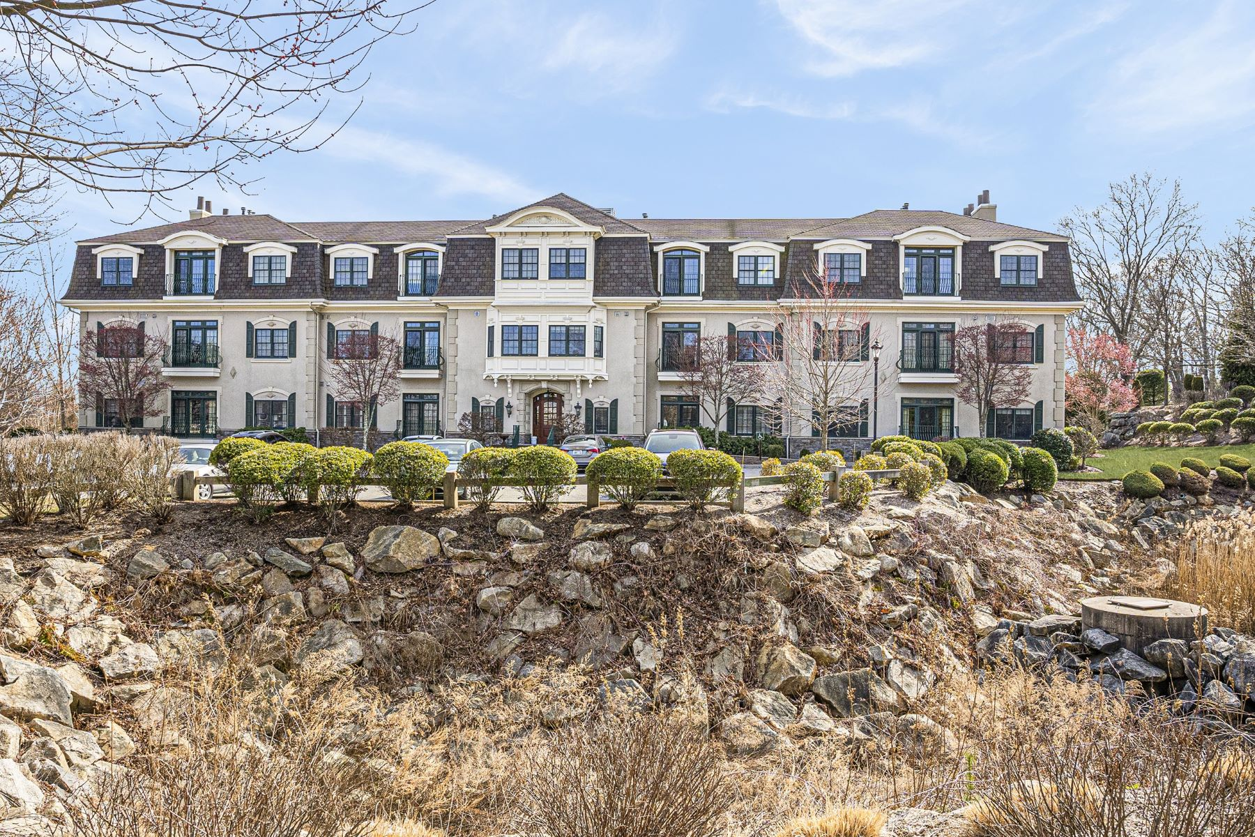 Condominiums for Sale at 1404 South County Trail, #205, East Greenwich, RI 1404 South County Trail, 205, East Greenwich, Rhode Island 02818 United States