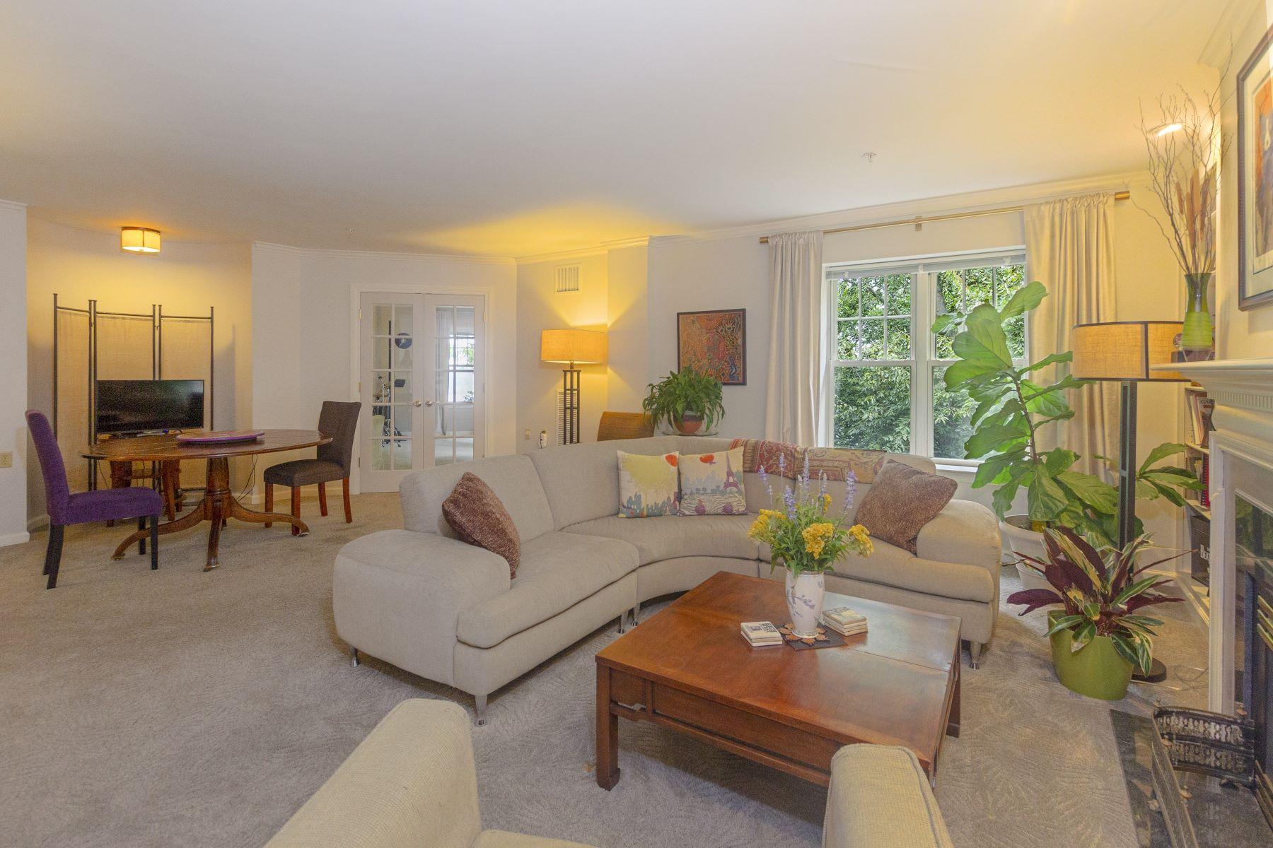 Condominiums for Sale at 355 Blackstone Boulevard, #401, East Side Of Providence, RI 355 Blackstone Boulevard, 401, Providence, Rhode Island 02906 United States