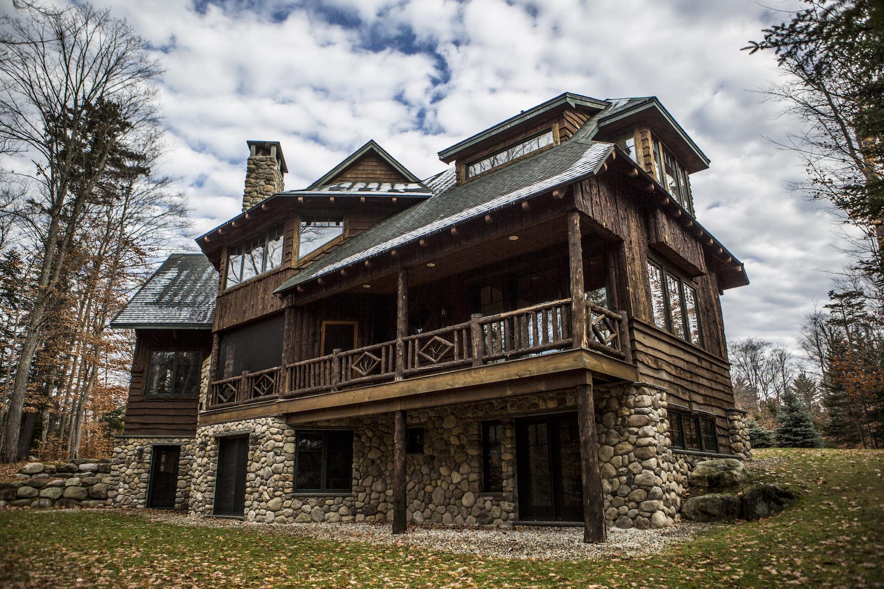 Single Family Homes 為 出售 在 Adirondack Grand Lodge 3 Peters Way, Lake Placid, 纽约 12946 美國
