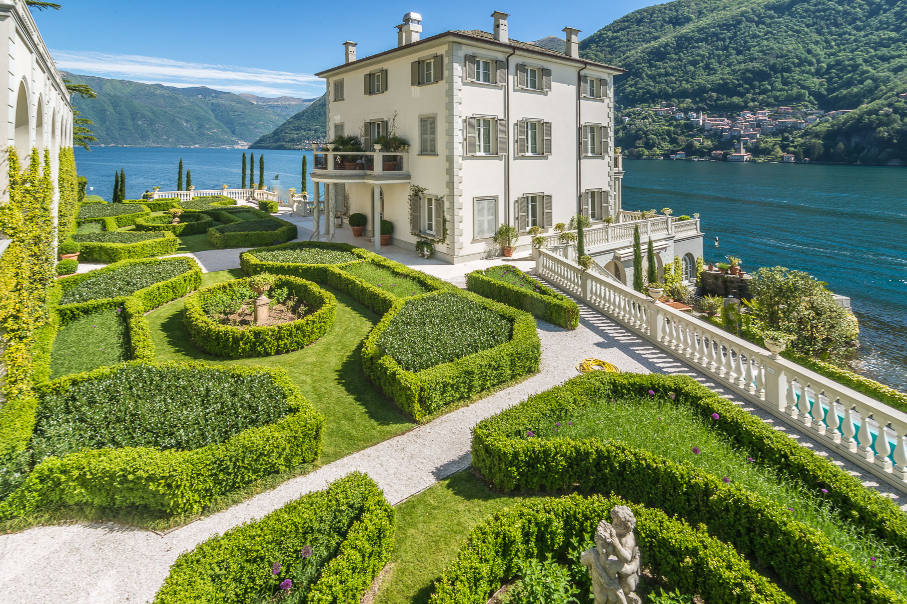 Other Residential Homes για την Πώληση στο Gorgeous lakefront trophy estate Laglio, Como Ιταλία
