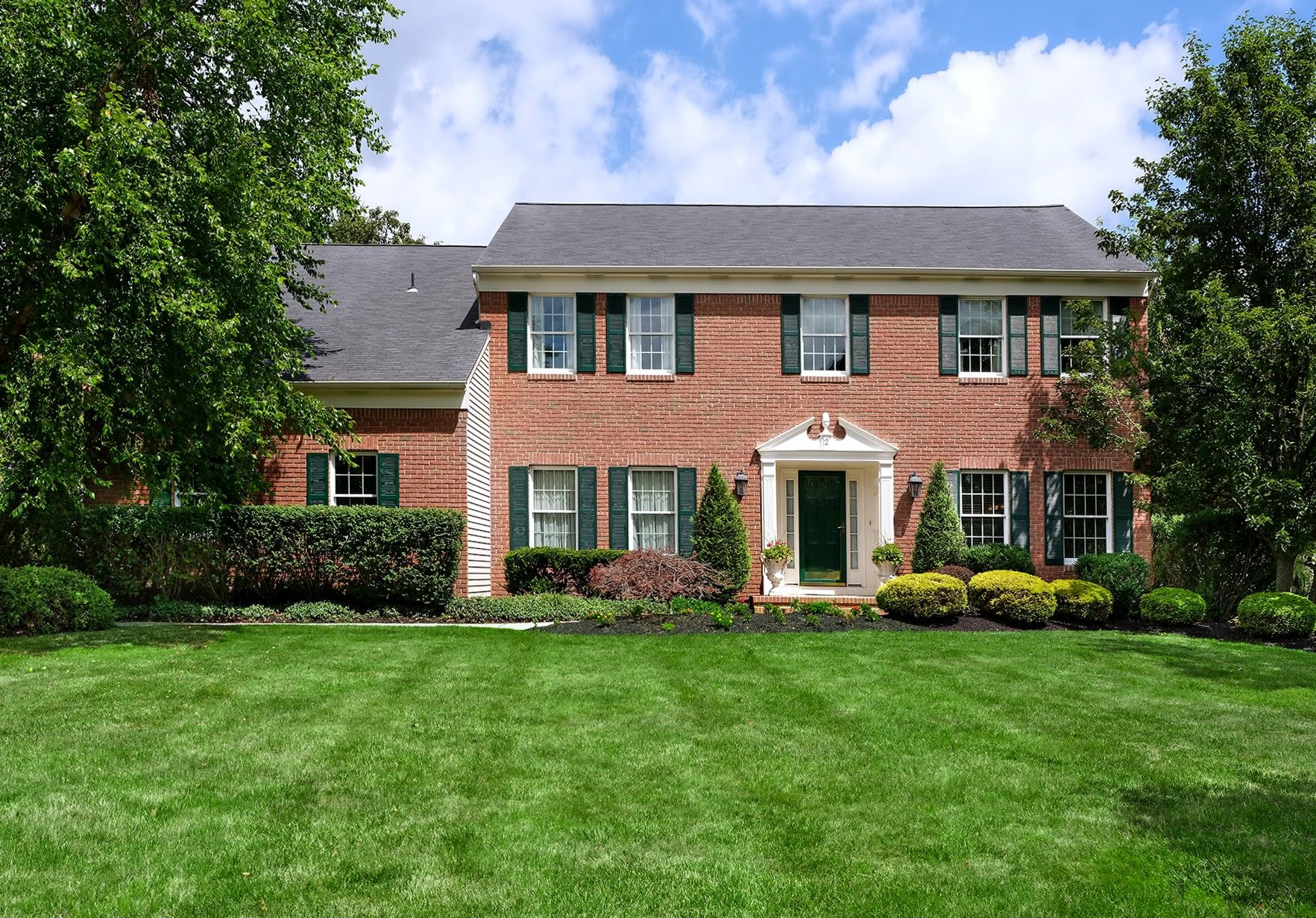 Single Family Homes para Venda às Princeton Oaks Perfection 2 Bush Court, West Windsor, Nova Jersey 08550 Estados Unidos