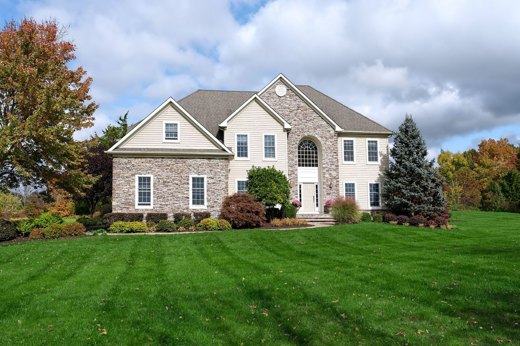 Single Family Homes for Sale at Sophisticated Custom-Built Home Backing to Parkland 56 Gulick Road, Ringoes, New Jersey 08551 United States
