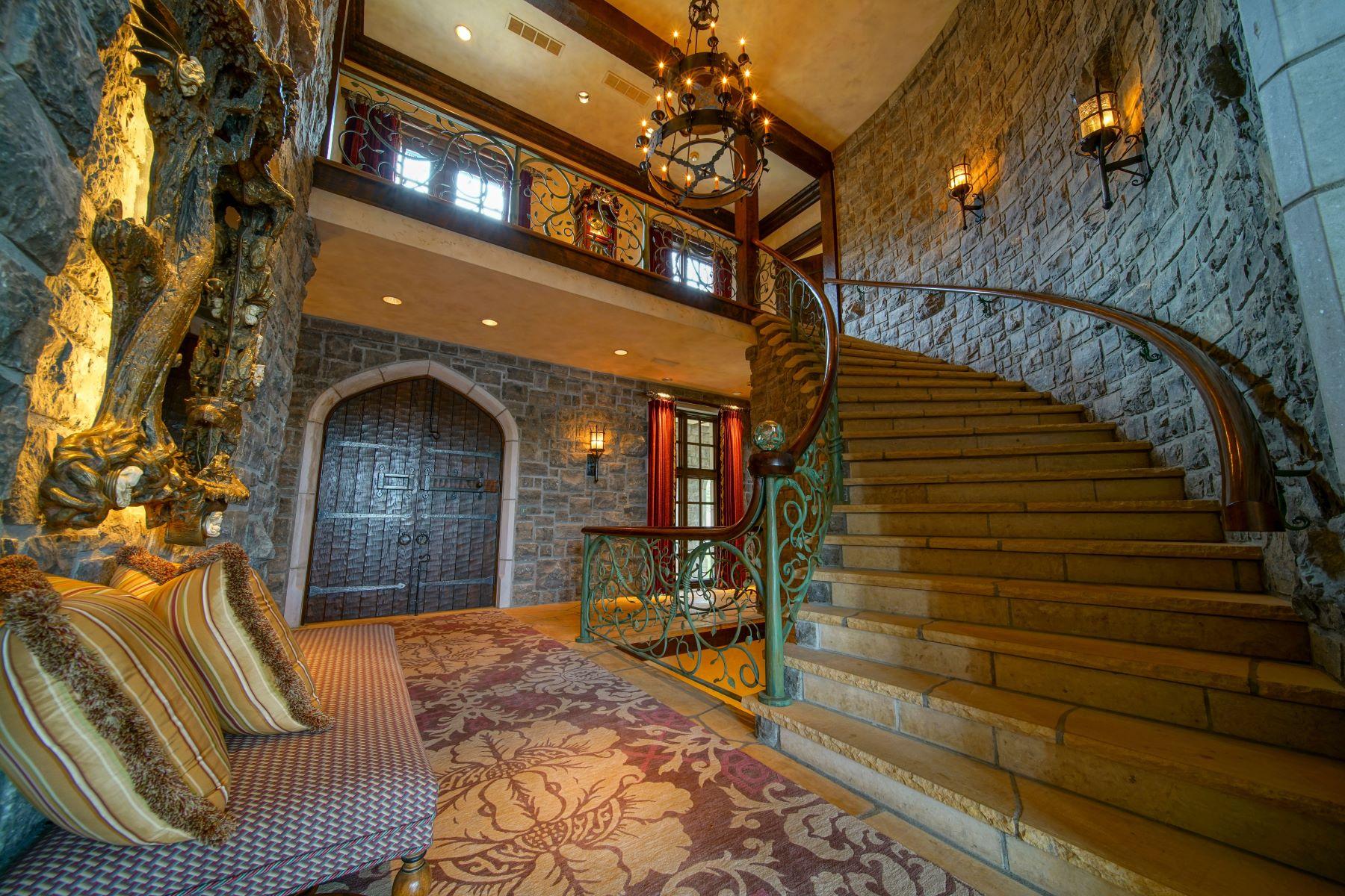 Additional photo for property listing at Lakeside Estate 10000 Northwest 75th Street Kansas City, Missouri 64152 United States