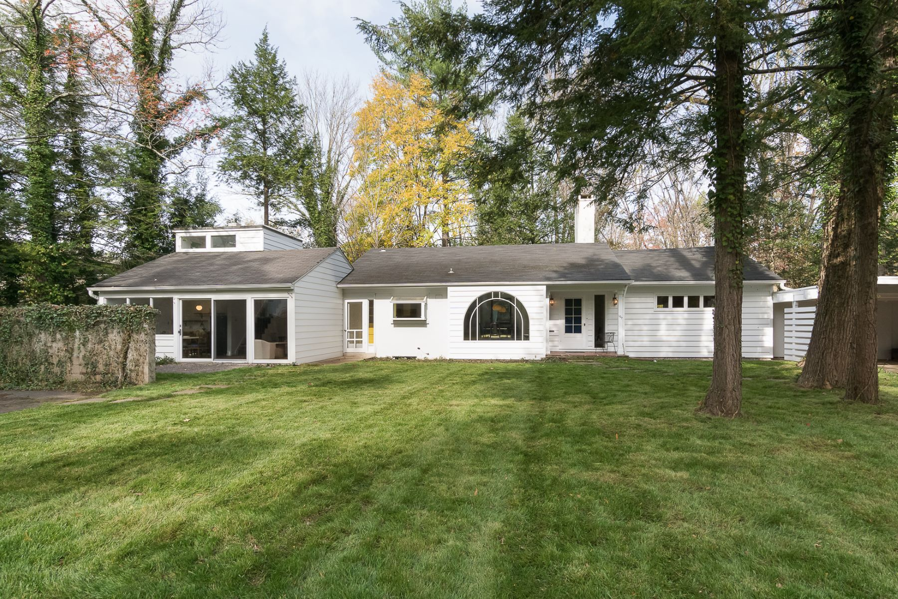Single Family Homes for Sale at Mid-Century House with Great Bones 107 Westcott Road, Princeton, New Jersey 08540 United States