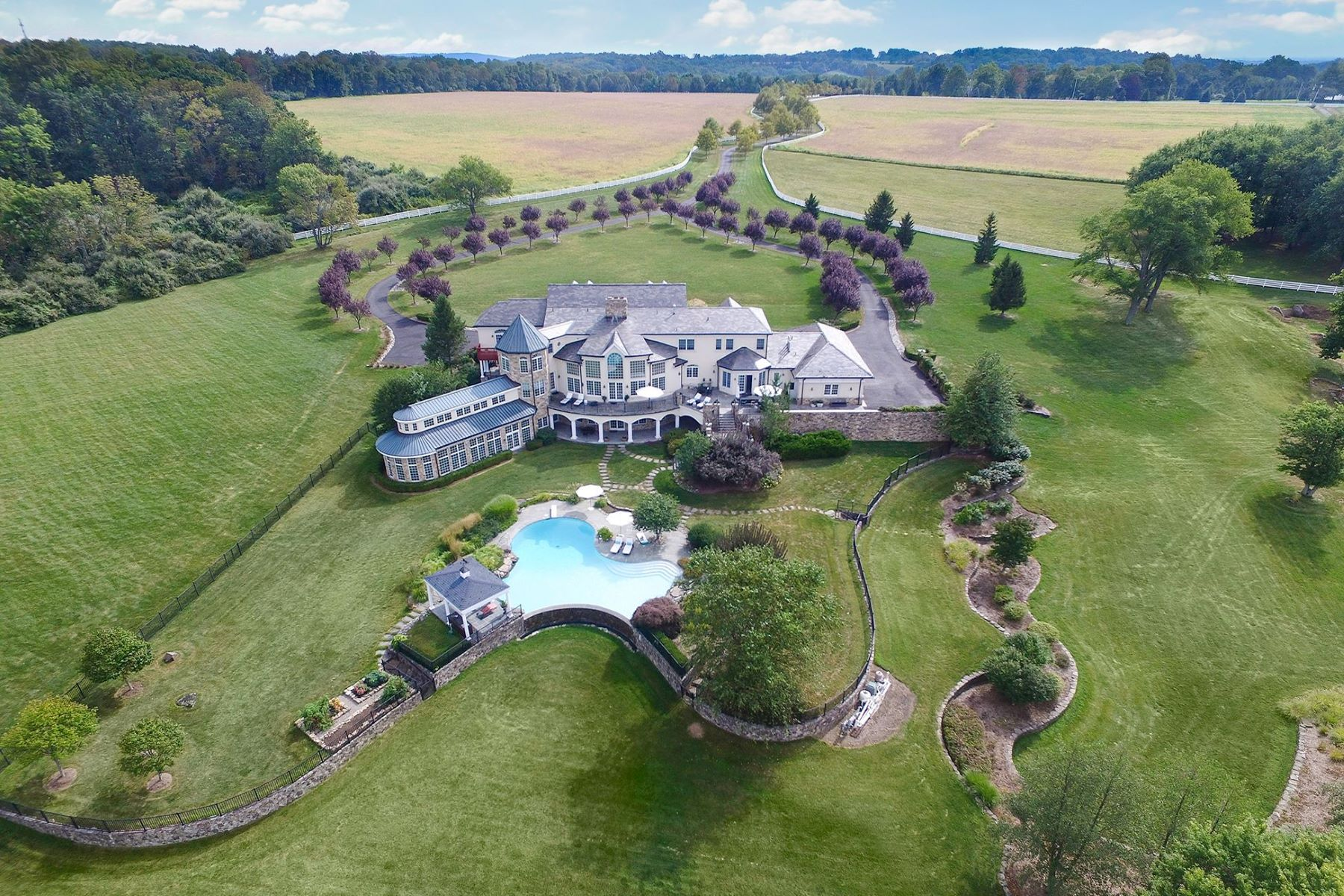 Single Family Homes للـ Sale في Offers Ideal Setting For Country Estate 131-133 Harbourton Woodsville Road, Lambertville, New Jersey 08530 United States