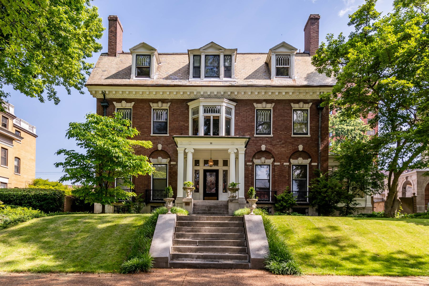 Single Family Homes for Sale at Historic Manse in the popular Washington Terrace neighborhood of the CWE 11 Washington Terrace St. Louis, Missouri 63112 United States