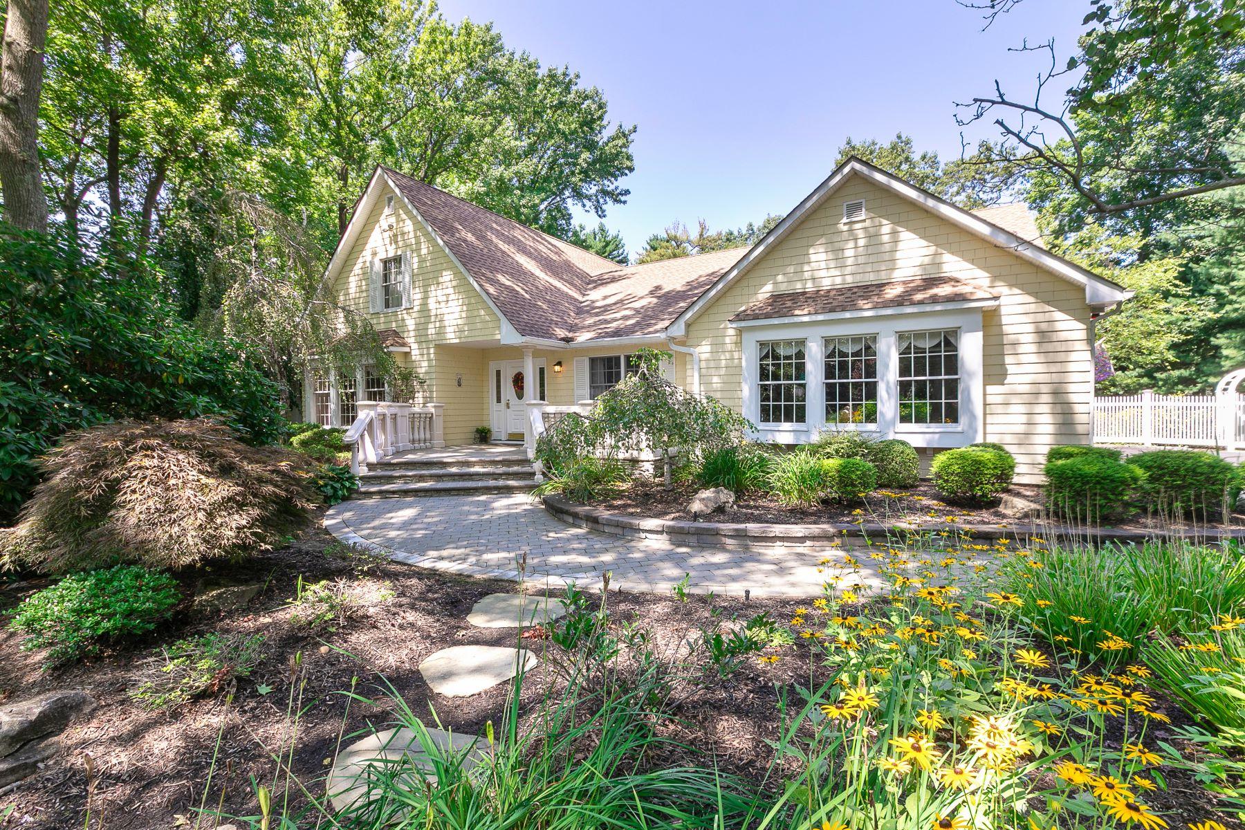 Single Family Homes 為 出售 在 10 White Pine Lane, Setauket, Ny, 11733 Setauket, 纽约 11733 美國
