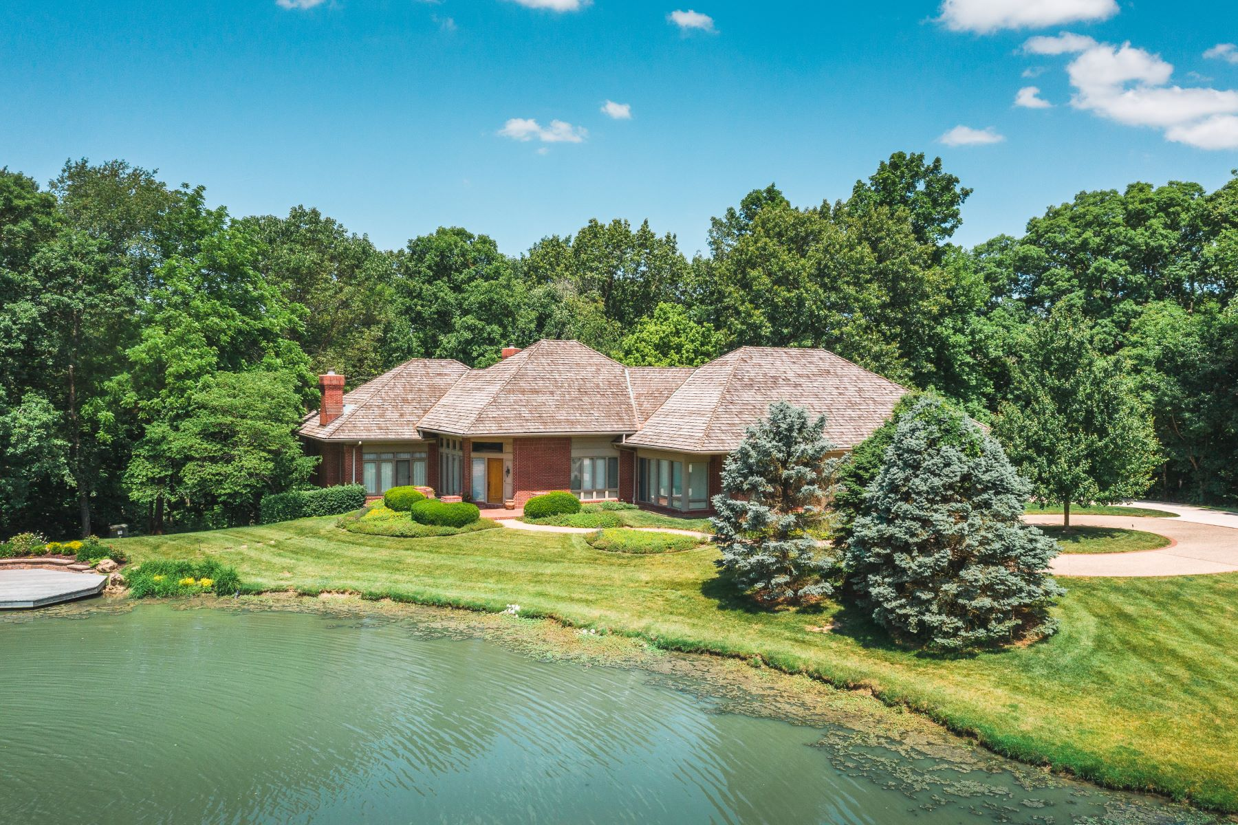 Single Family Homes for Sale at Exceptionally Maintained Custom Home on More Than 20 Acres 4900 Manitou Trail Godfrey, Illinois 62035 United States