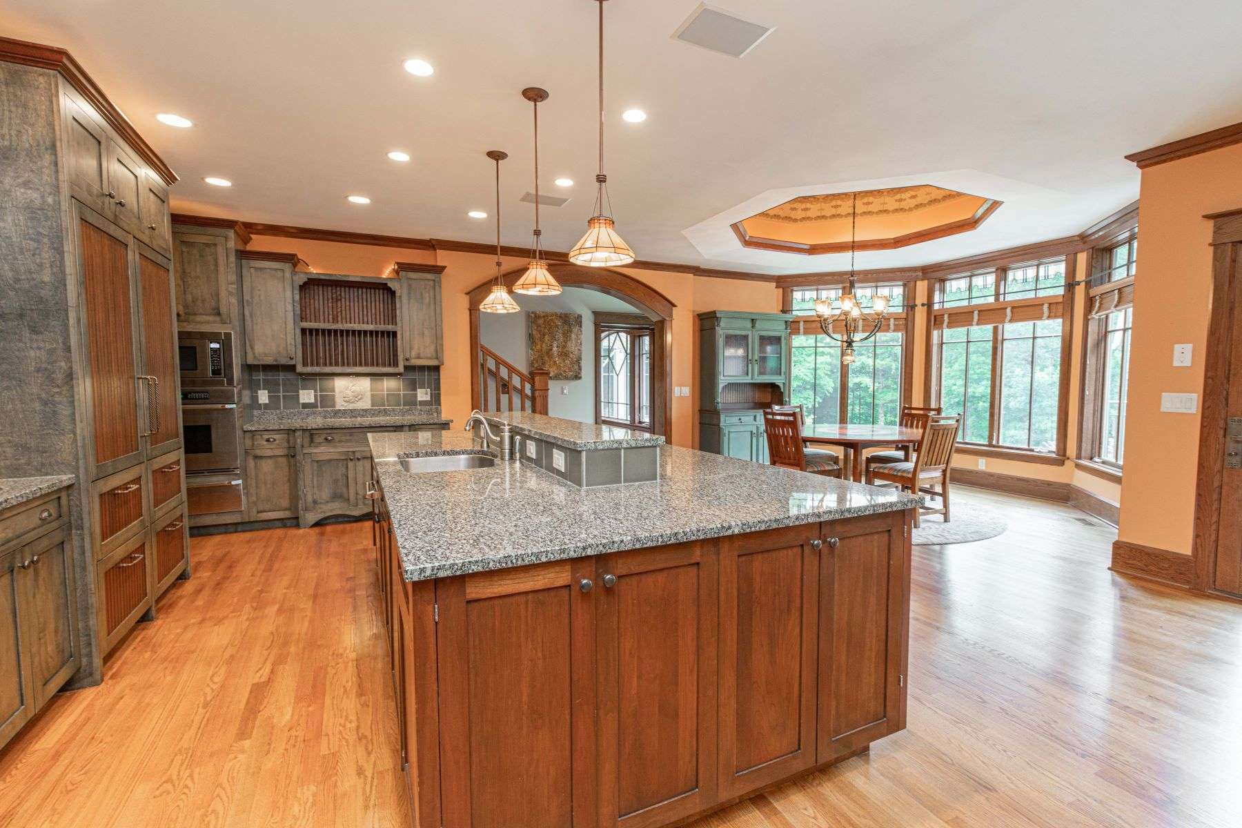 Additional photo for property listing at Resort-like amenities in the most private and peaceful setting 394 Larimore Valley Drive Wildwood, Missouri 63005 United States