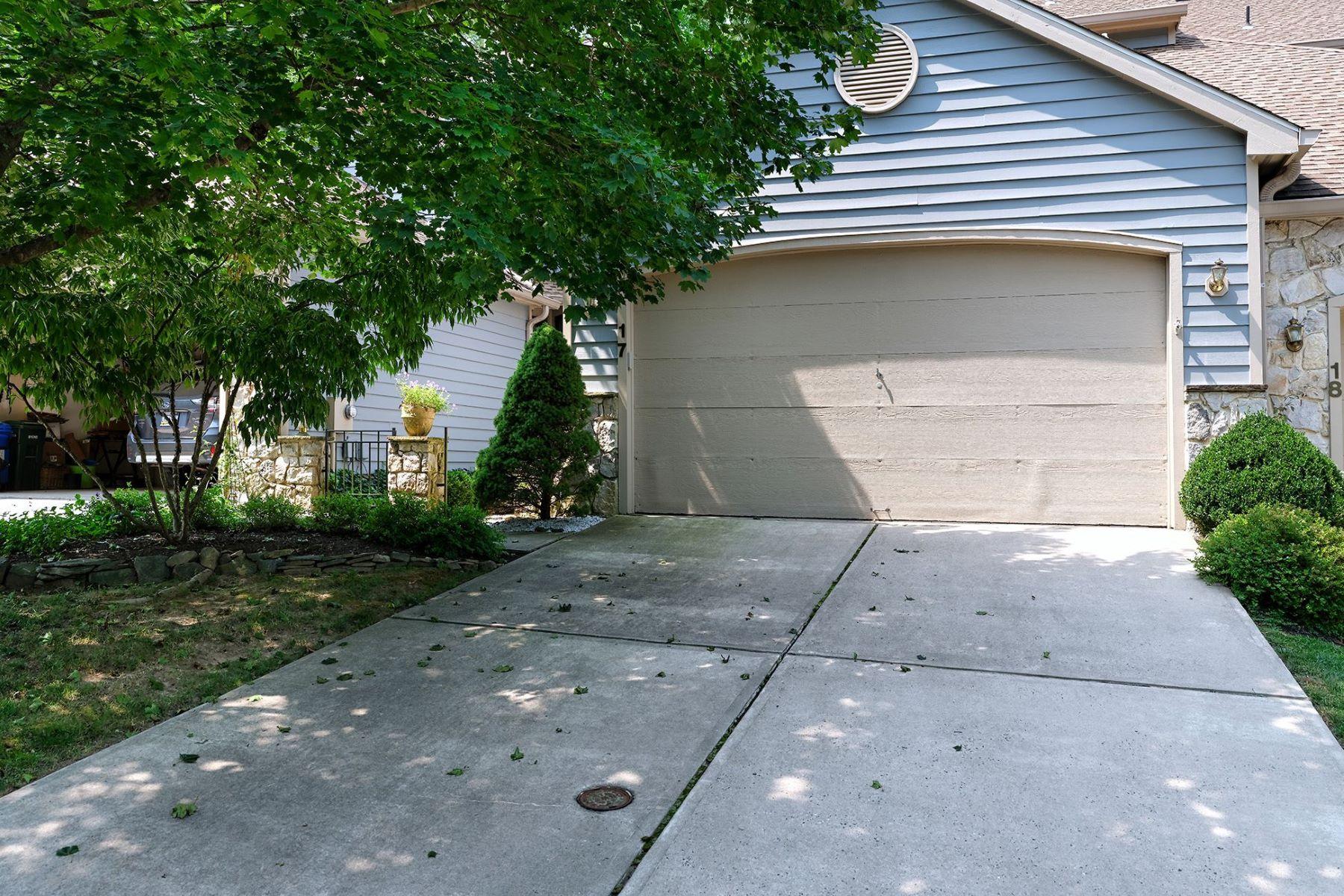 townhouses για την Πώληση στο Wonderful Woodcrest - Just Above the Heart of Lambertville 17 Hillside Court, Lambertville, Νιου Τζερσεϋ 08530 Ηνωμένες Πολιτείες