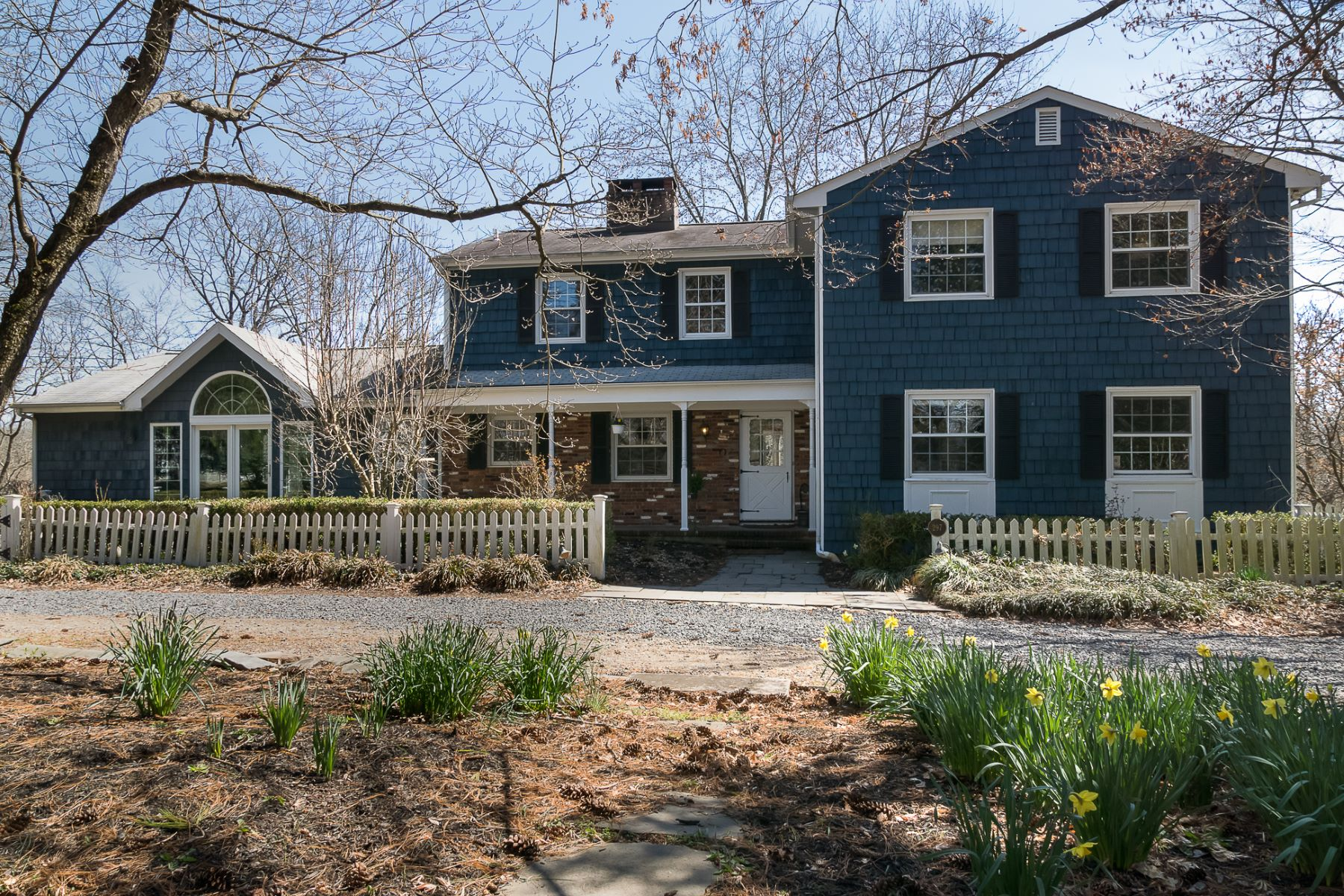 Single Family Homes for Sale at The Relaxed Pace of the Country Life Yet Convenient to All 297 Millstone River Road, Belle Mead, New Jersey 08502 United States