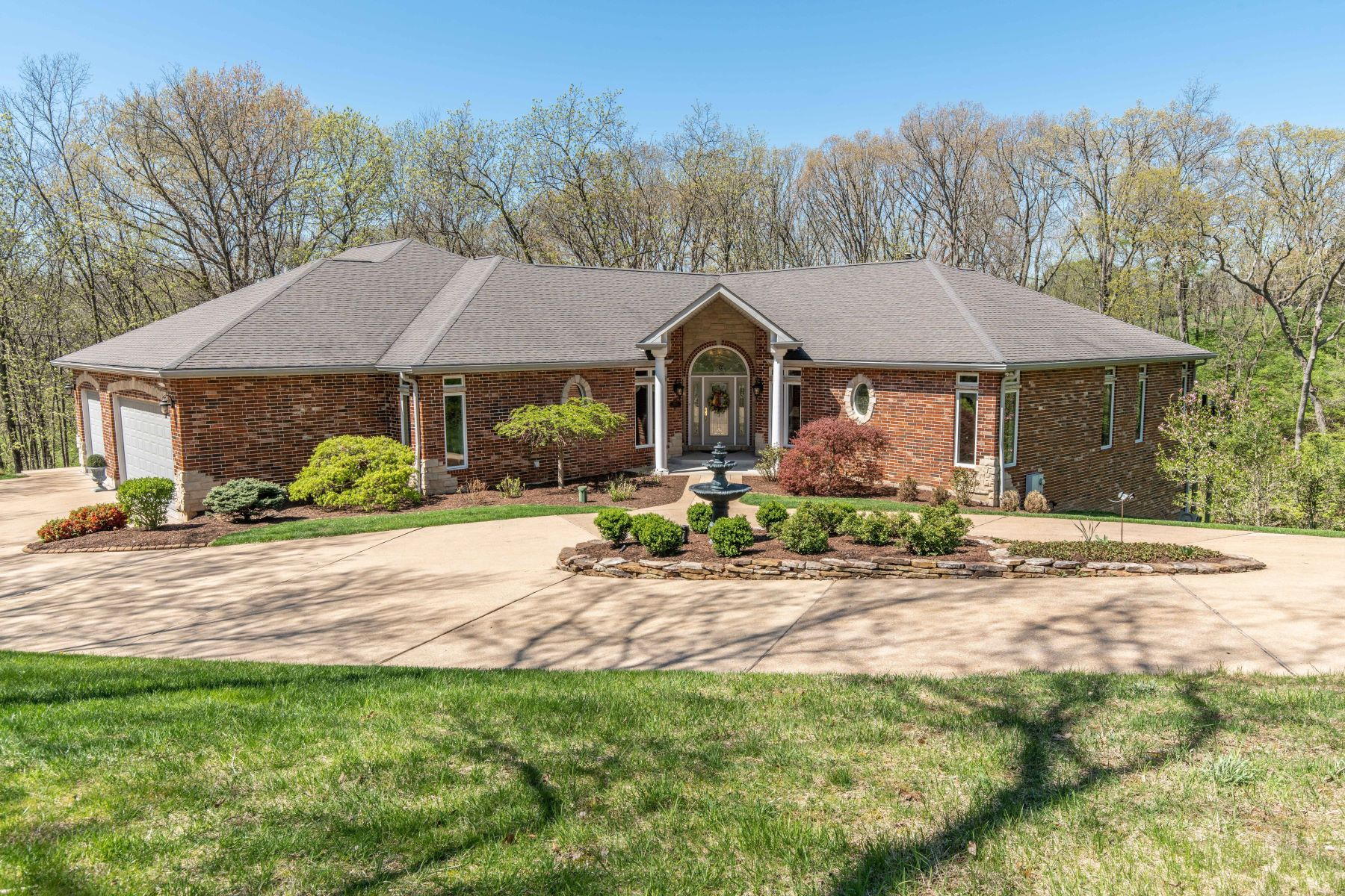 Single Family Homes for Sale at Elegant Ranch on 3 Acres 18563 Bridlespur Estates Drive Wildwood, Missouri 63069 United States