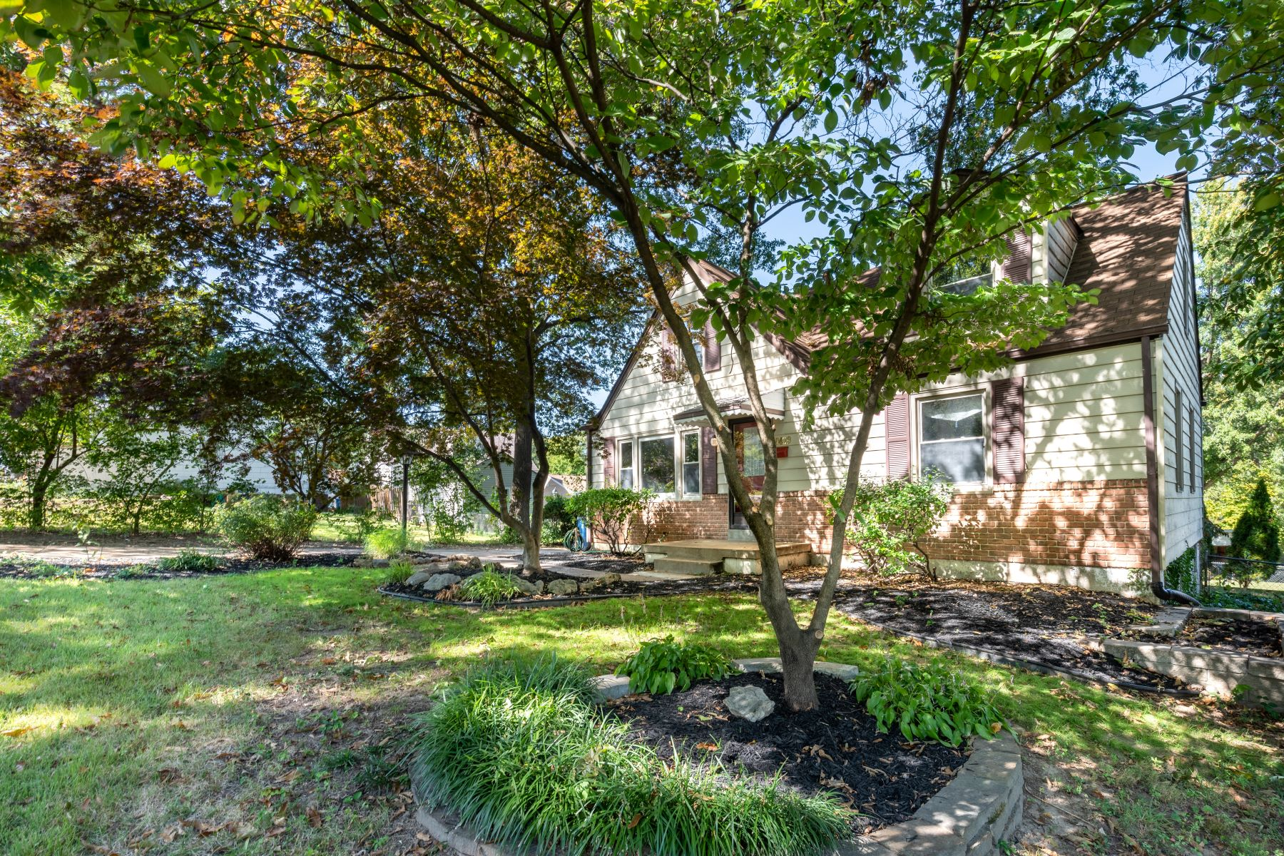 Single Family Homes for Sale at An Overland Jewel 9429 Trescott Avenue Overland, Missouri 63114 United States