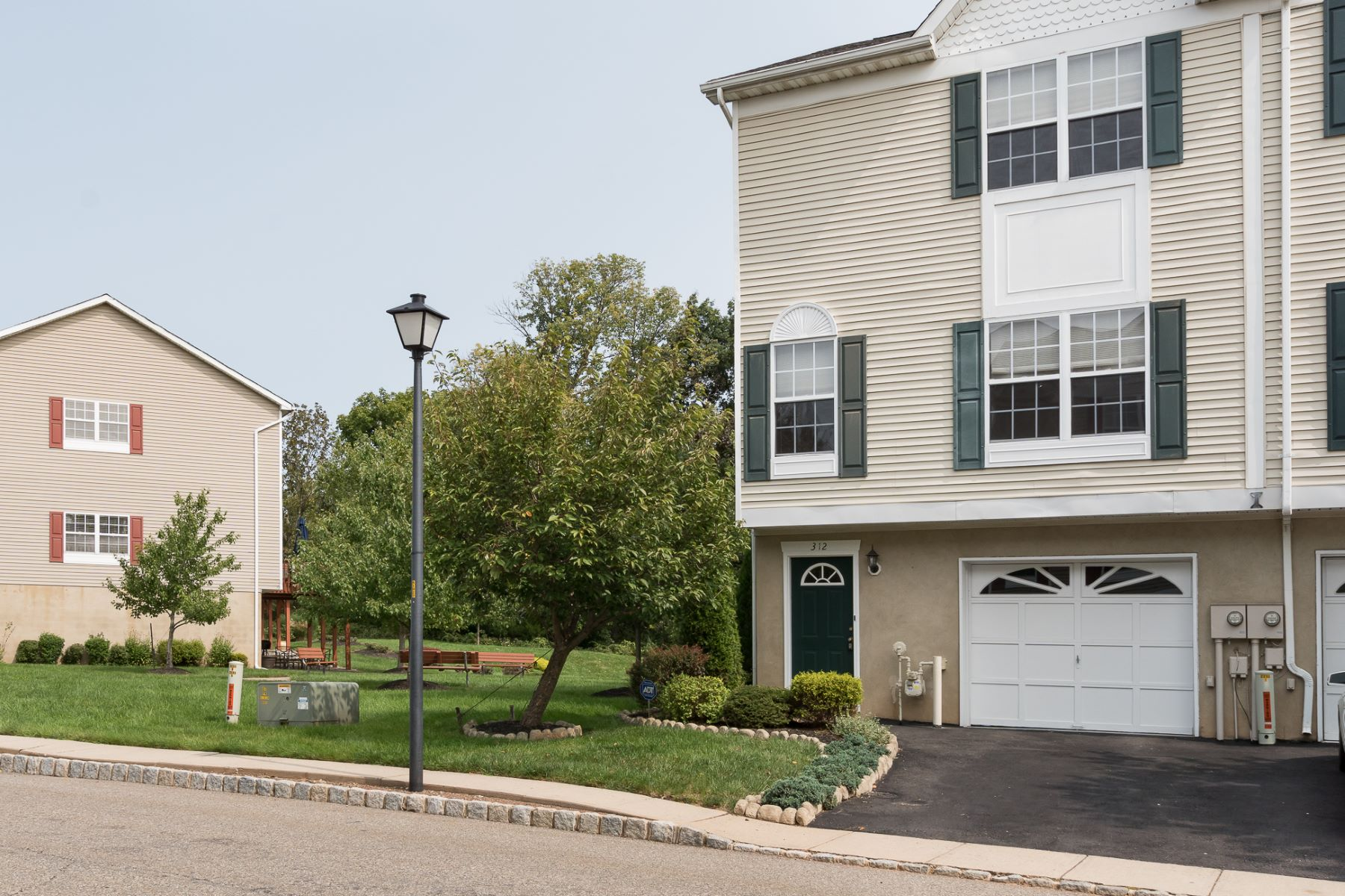 townhouses للـ Sale في Turn-key Townhome In Flemington's Victoria Square 312 George Wilson Boulevard, Flemington, New Jersey 08822 United States