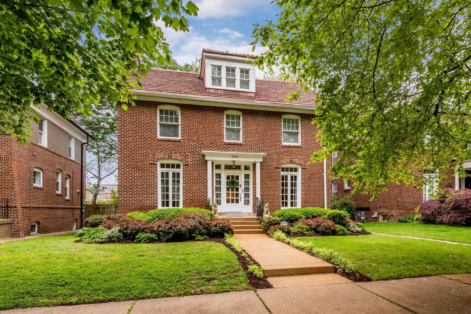 Single Family Homes for Sale at The Perfect House in Ames Place 6936 Pershing Avenue University City, Missouri 63130 United States