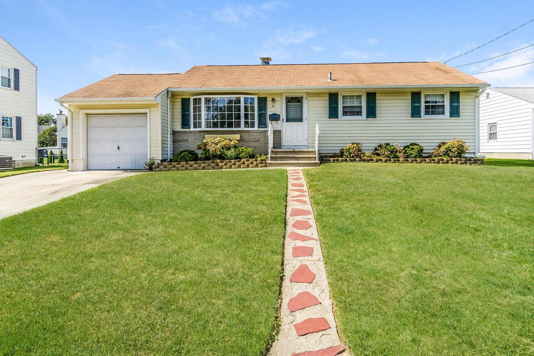 Single Family Homes للـ Sale في Hamilton Ranch Corners the Market on Convenience 95 Hempstead Road, Hamilton, New Jersey 08610 United States