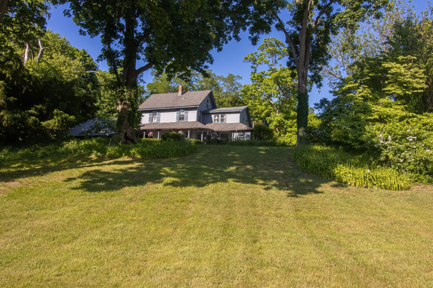 Single Family Homes 為 出售 在 49 Van Brunt Manor Road, Setauket, Ny, 11733 Setauket, 纽约 11733 美國