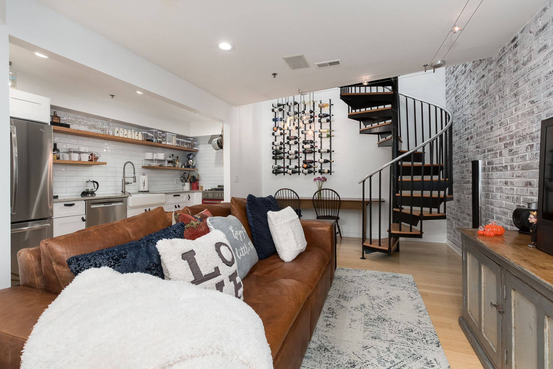 Loft-Style Luxury in a Premier, In-Town Location 36 Moore Street, Unit 15, Princeton, New Jersey 08542 Amerika Birleşik Devletleri