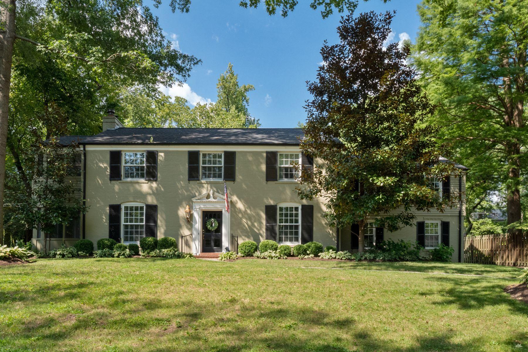 Property for Sale at Ladue Charmer 19 Black Creek Lane Ladue, Missouri 63124 United States