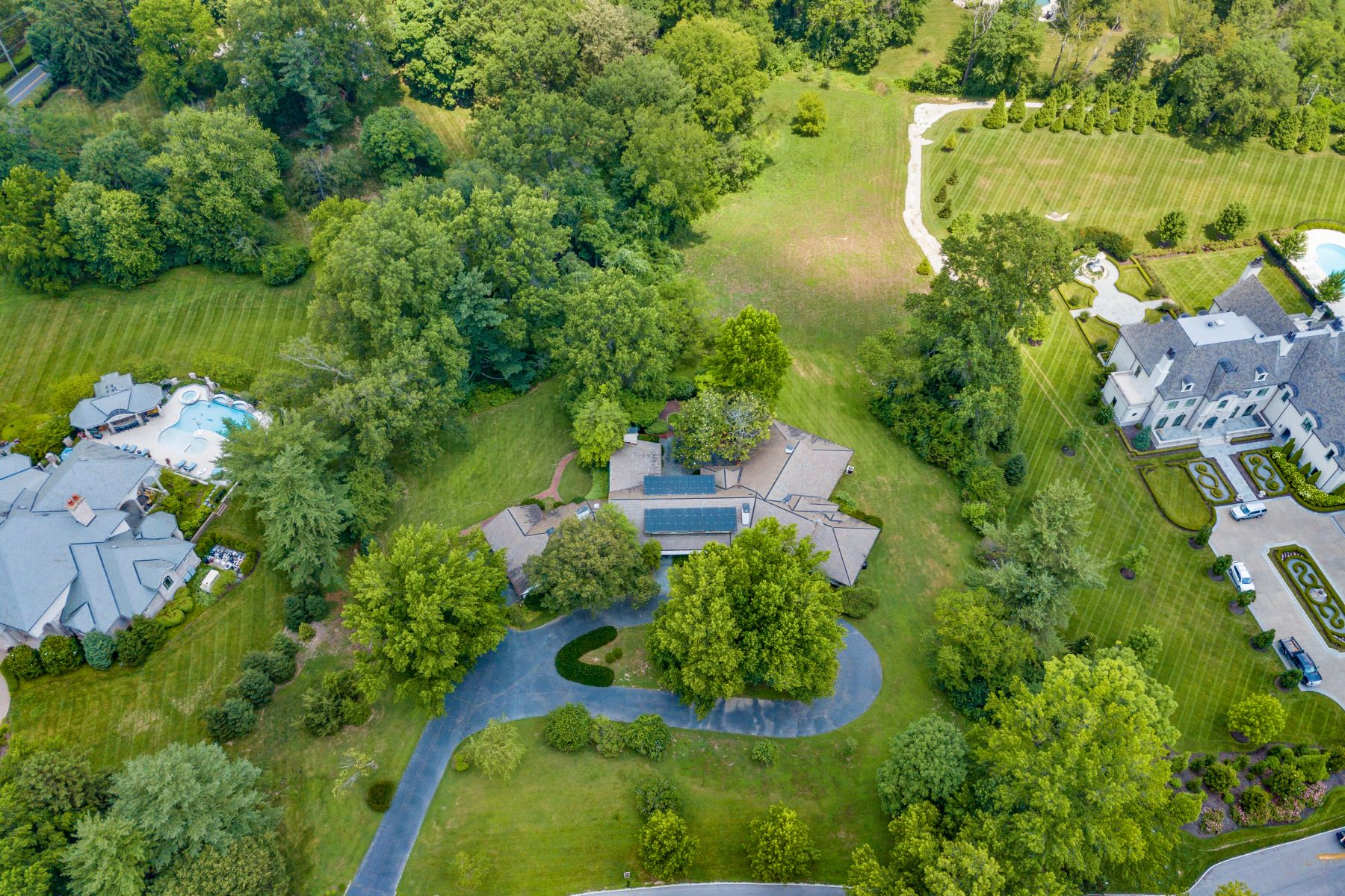 Additional photo for property listing at 3+ Acres for Those Seeking Primo Ladue Location 2102 S. Warson Road Ladue, Missouri 63124 United States